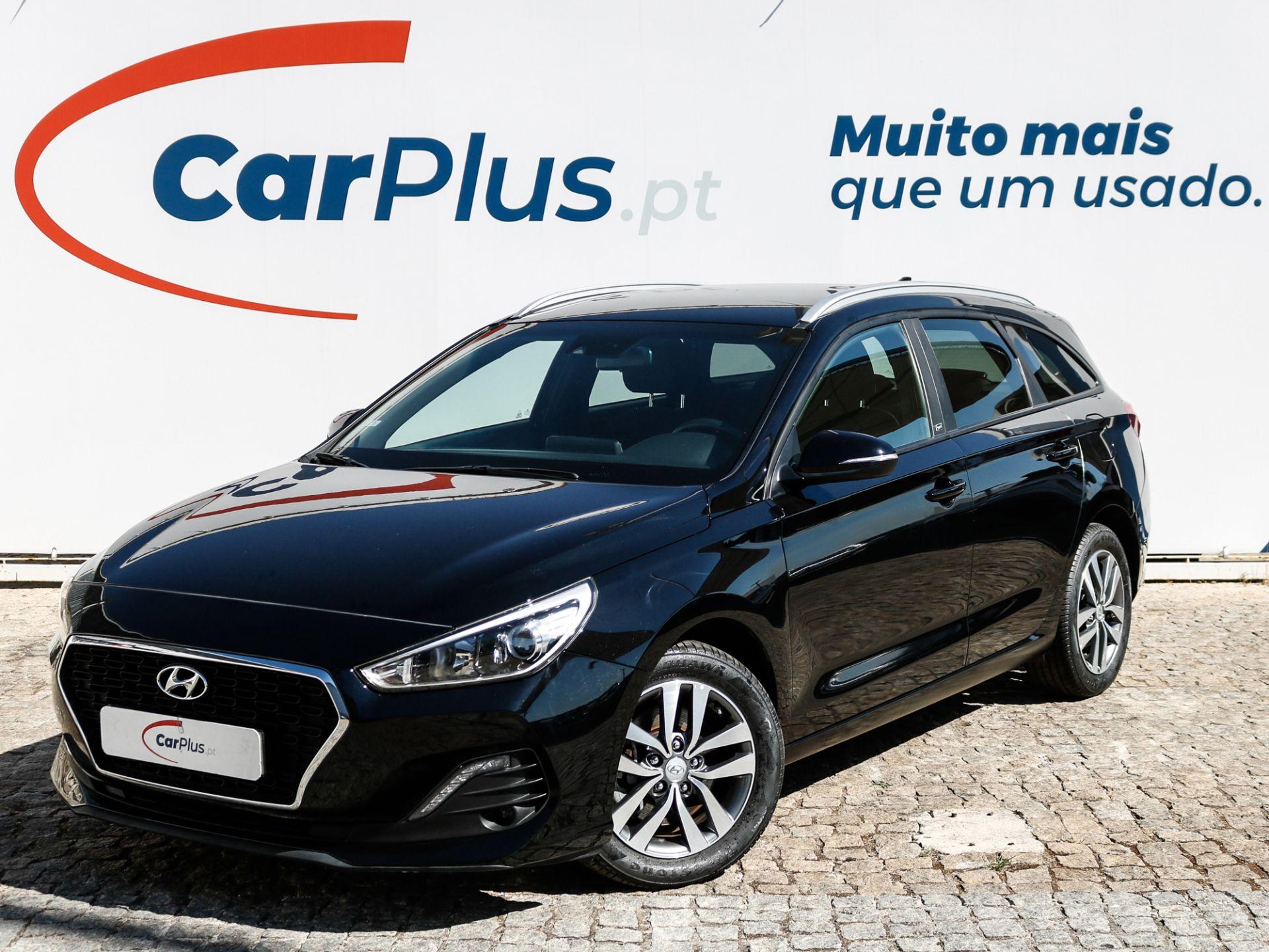 Hyundai i30 SW 1.6 CRDi GO! 110CV segunda mão Lisboa