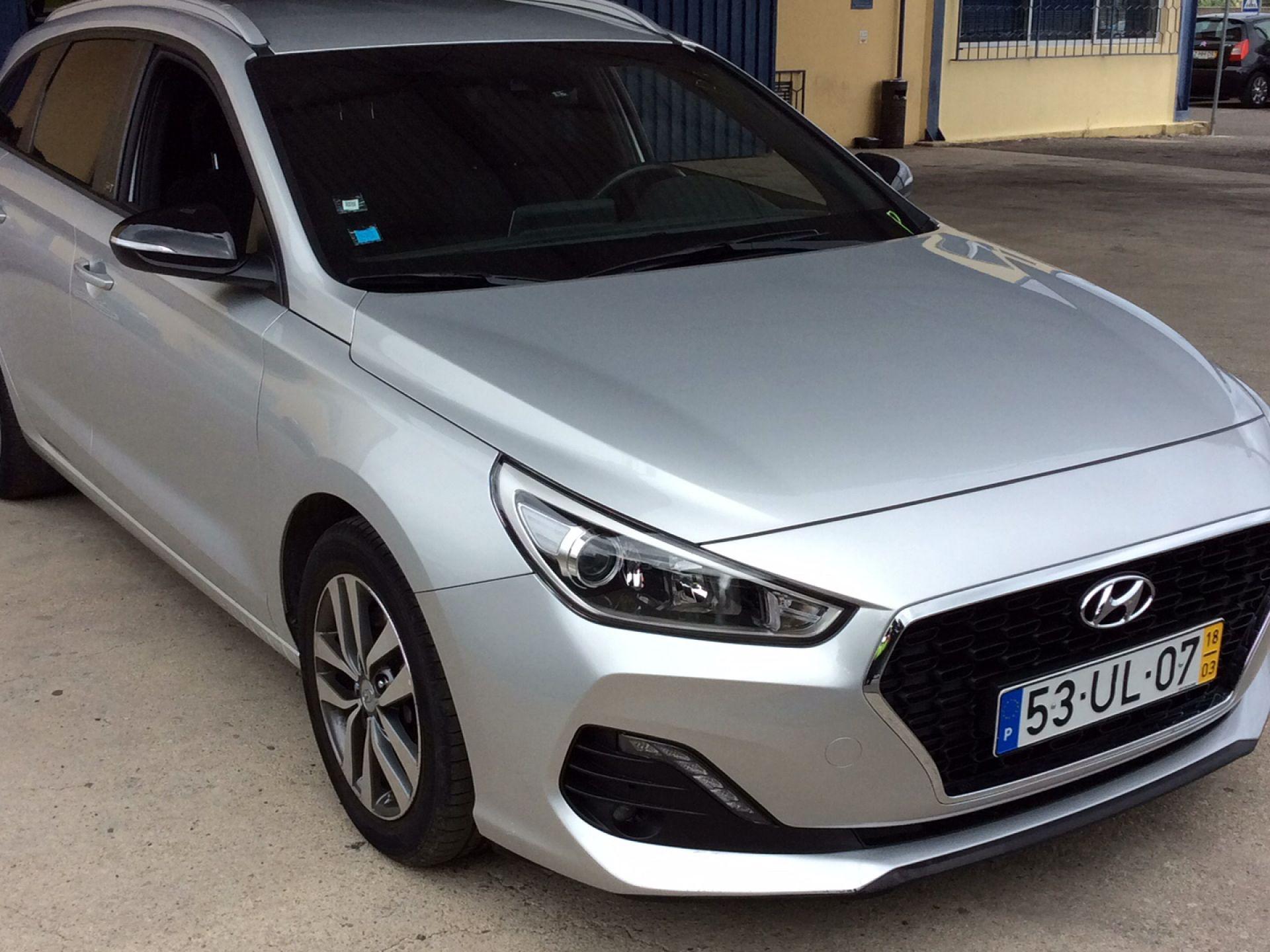 Hyundai i30 SW 1.6 CRDi GO! 110CV segunda mão Porto