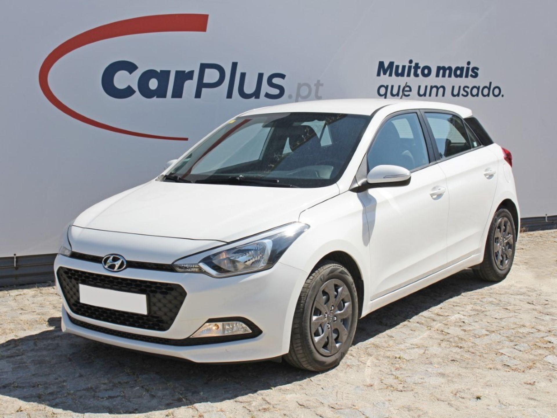 Hyundai i20 1.1 CRDi 75Cv Access+Bth+Comandos segunda mão Porto