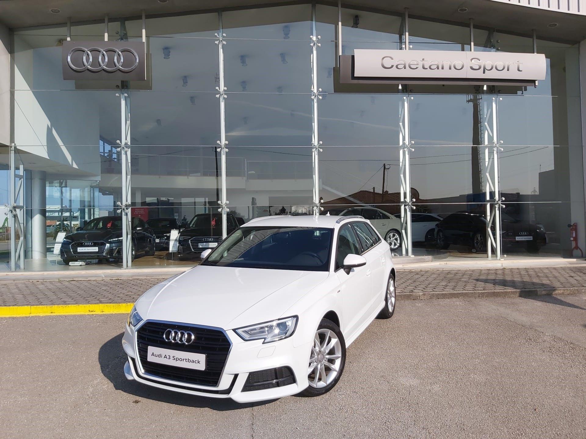 Audi A3 Sportback 1.6 TDI 116cv EXTERIOR S/LINE segunda mão Aveiro