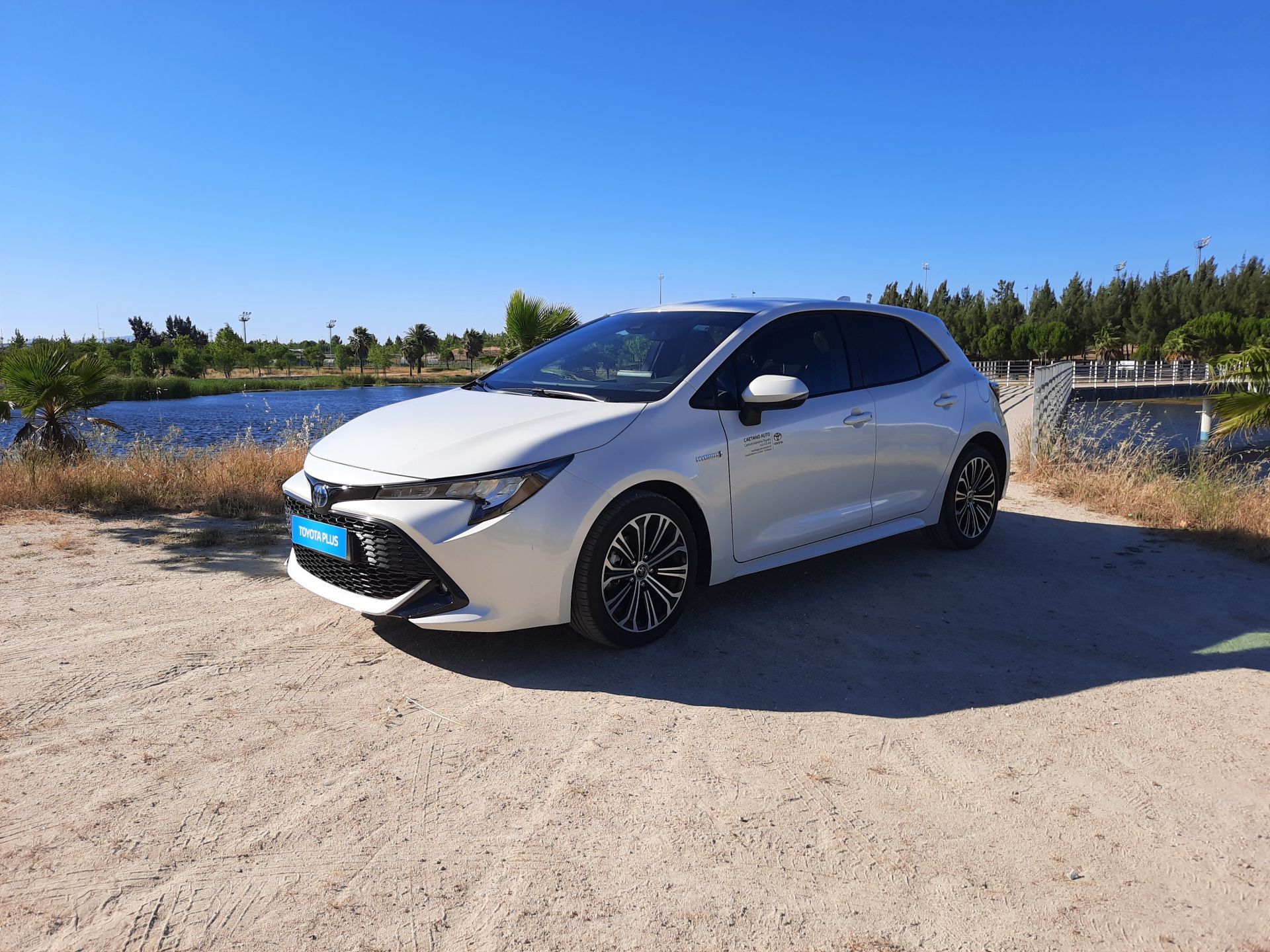 Toyota Corolla 1.8 Hybrid Comfort+Pack Sport usada Castelo Branco