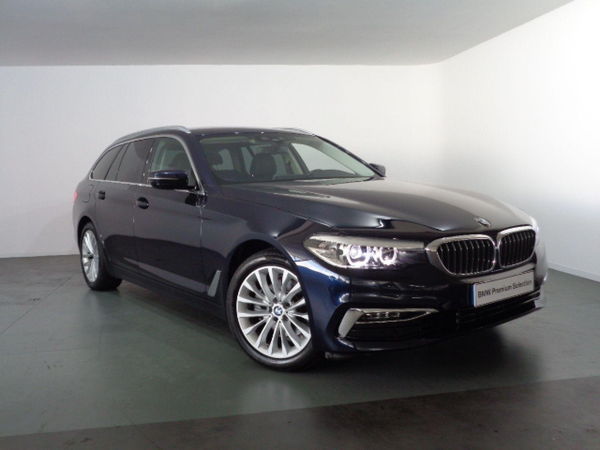 BMW Serie 5 520d Auto Touring Line Luxury segunda mão Porto