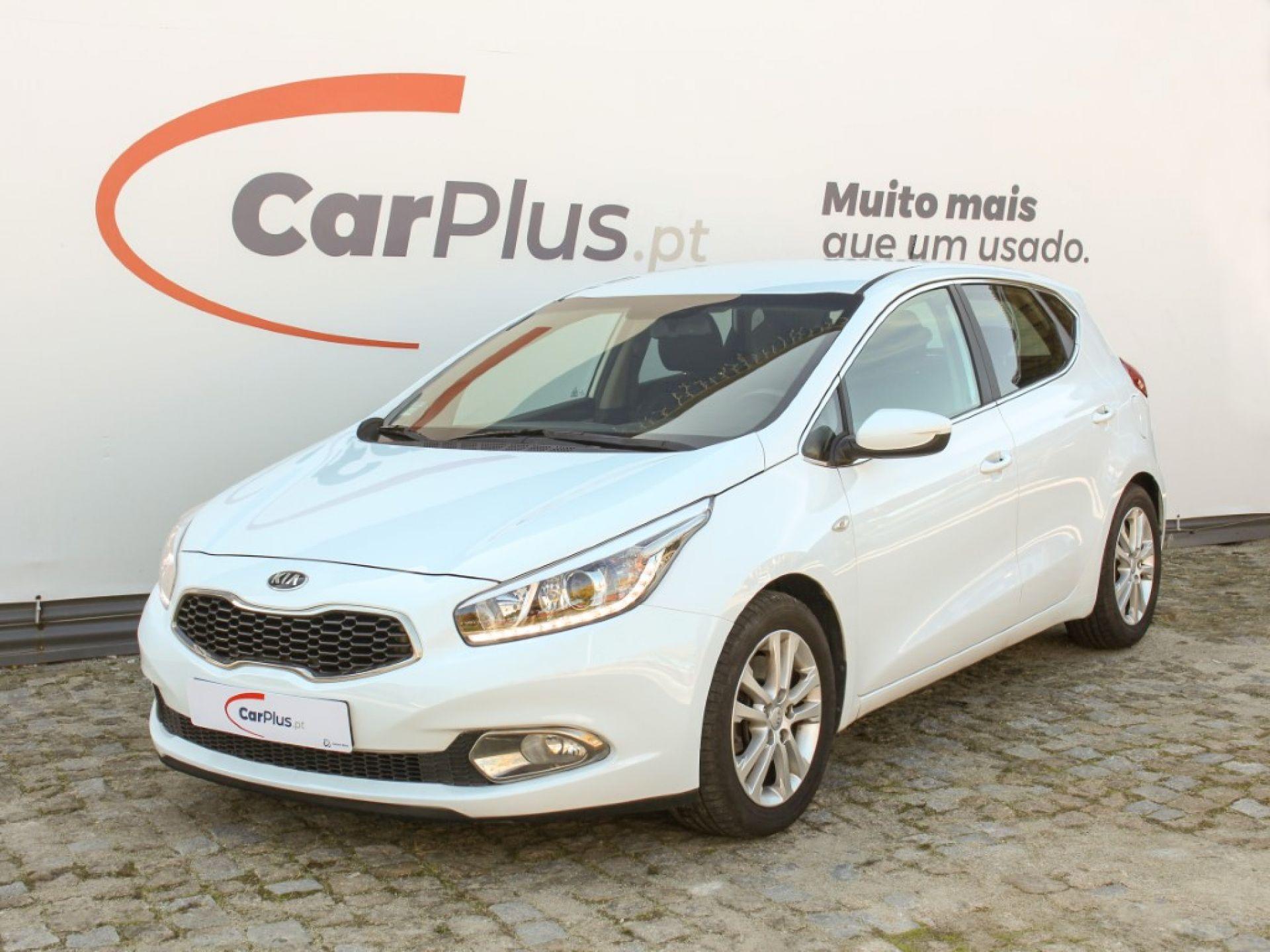 Kia Ceed 1.6 CRDI ISG ECO 128 CV segunda mão Porto