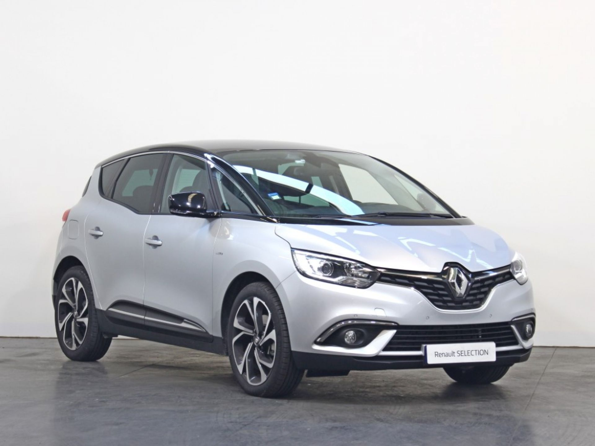 Renault Scenic 1.7 Blue dCi 150 Bose Edition EDC segunda mão Porto
