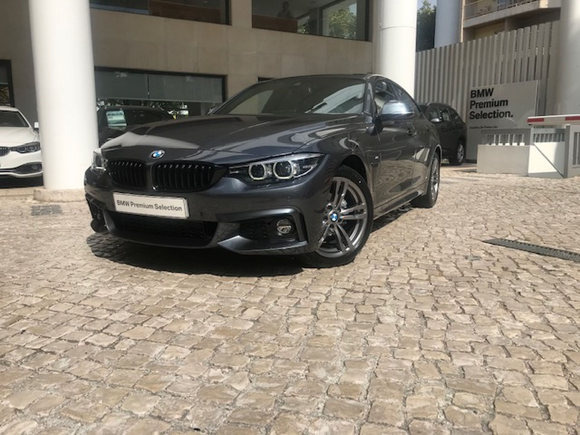 BMW Serie 4 418d Gran Coupe Auto segunda mão Lisboa