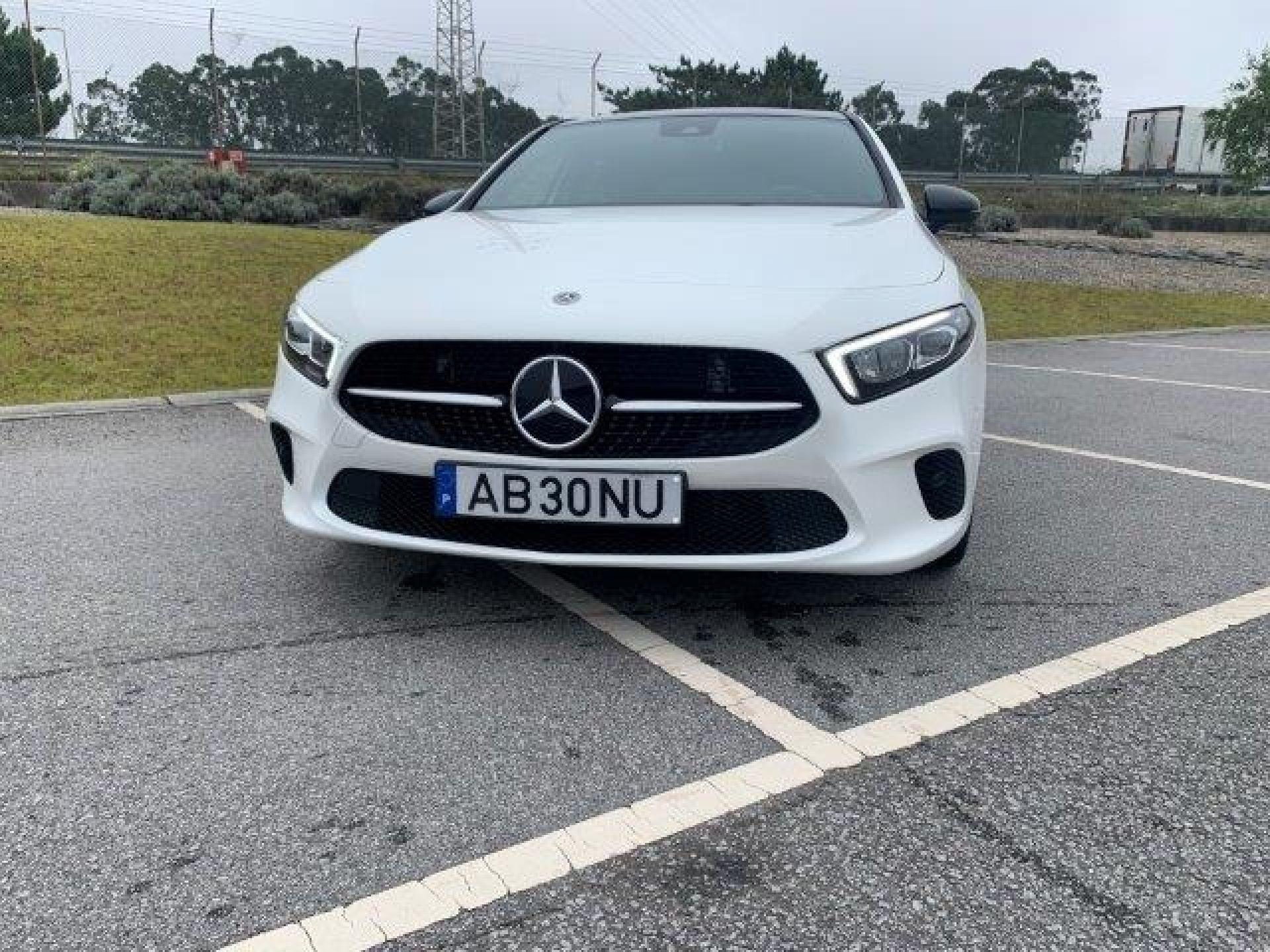 Mercedes Benz Classe A 180d Auto segunda mão Porto
