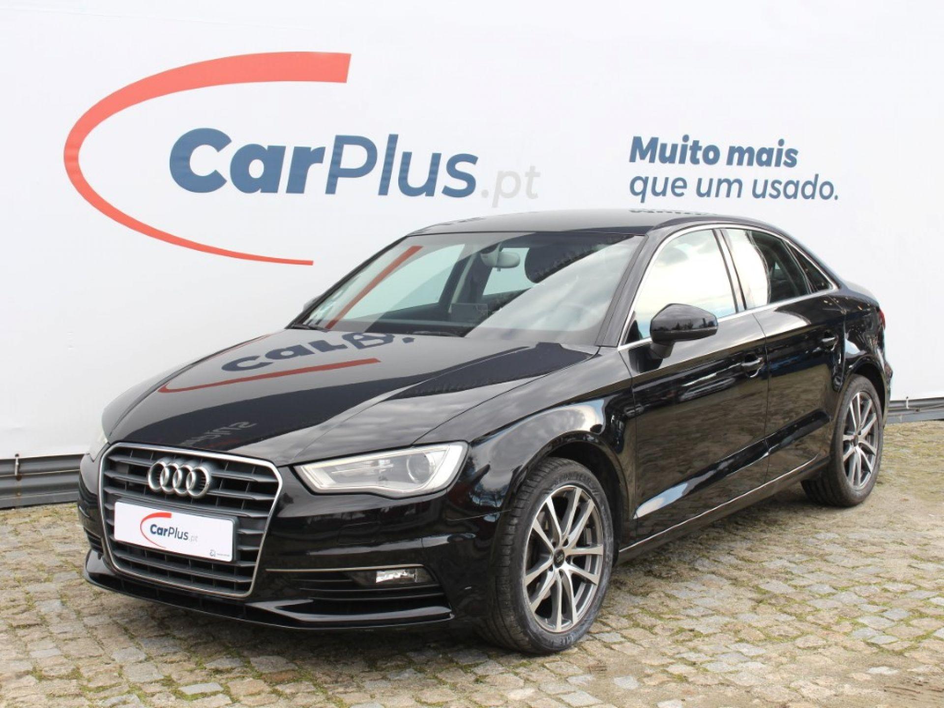Audi A3 1.6 TDI Attraction segunda mão Porto