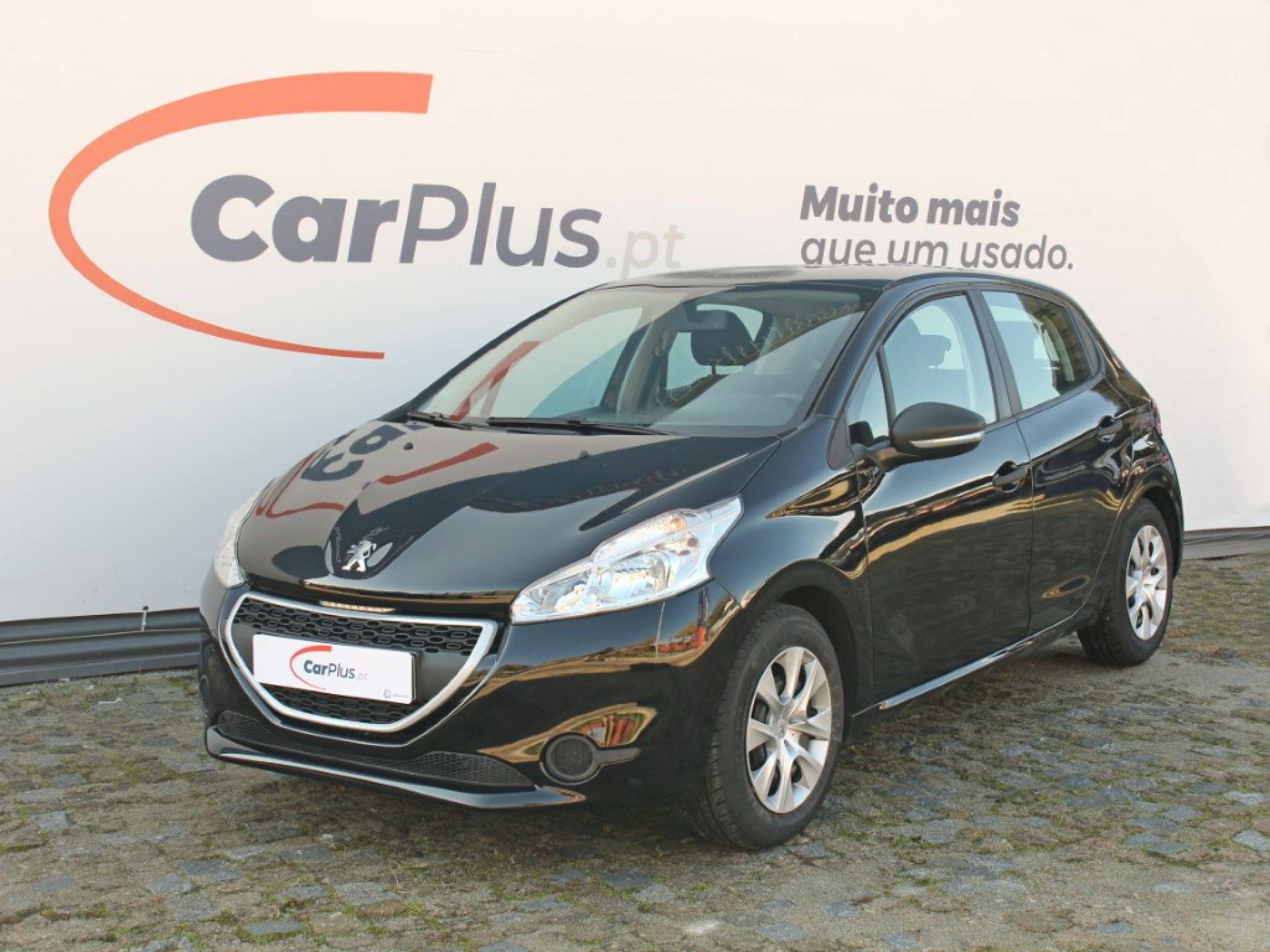 Peugeot 208 Access 1.0 VTi 68 CVM5 segunda mão Porto