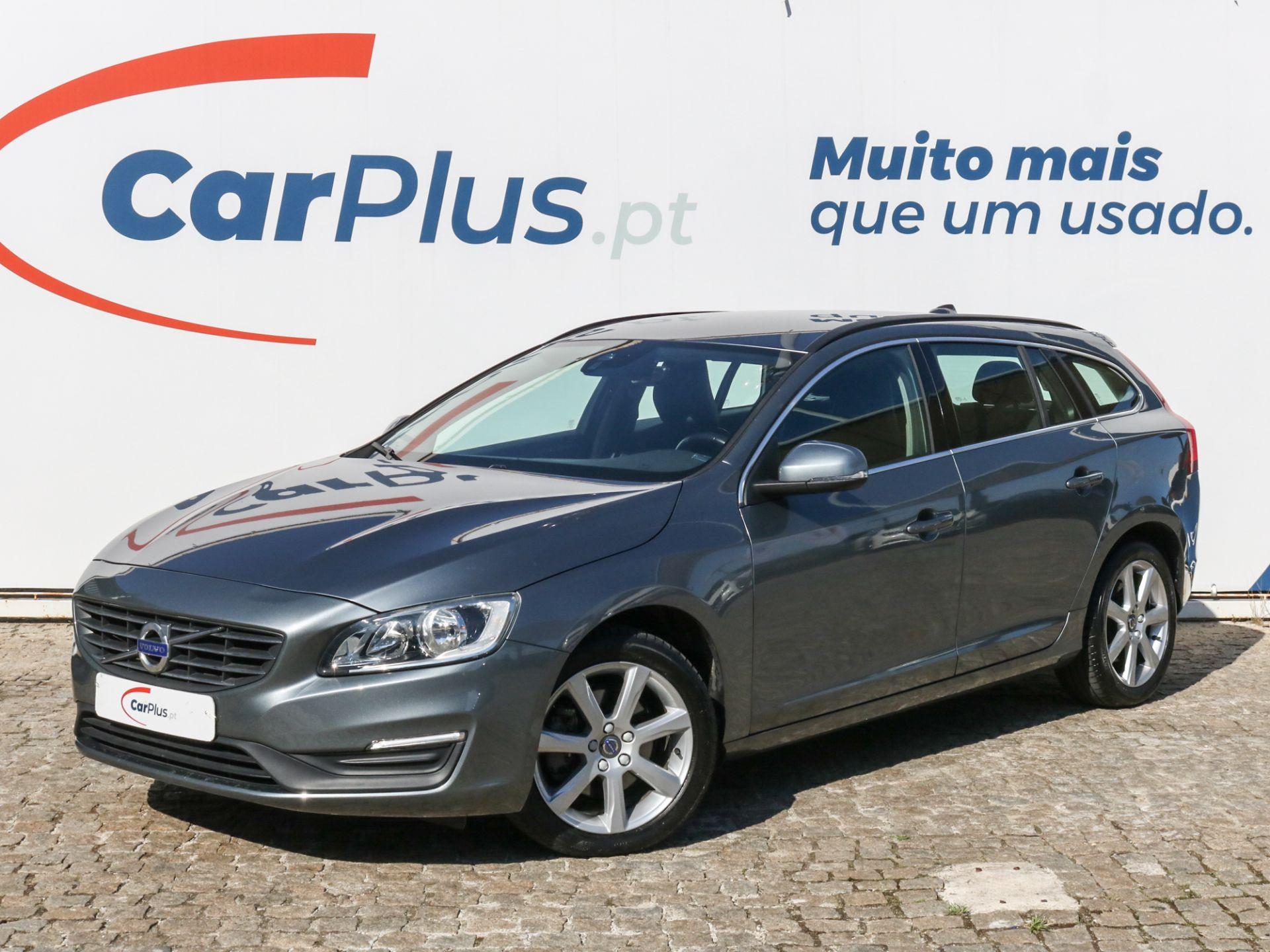 Volvo V60 2.0 D2 Summum Geartronic segunda mão Lisboa