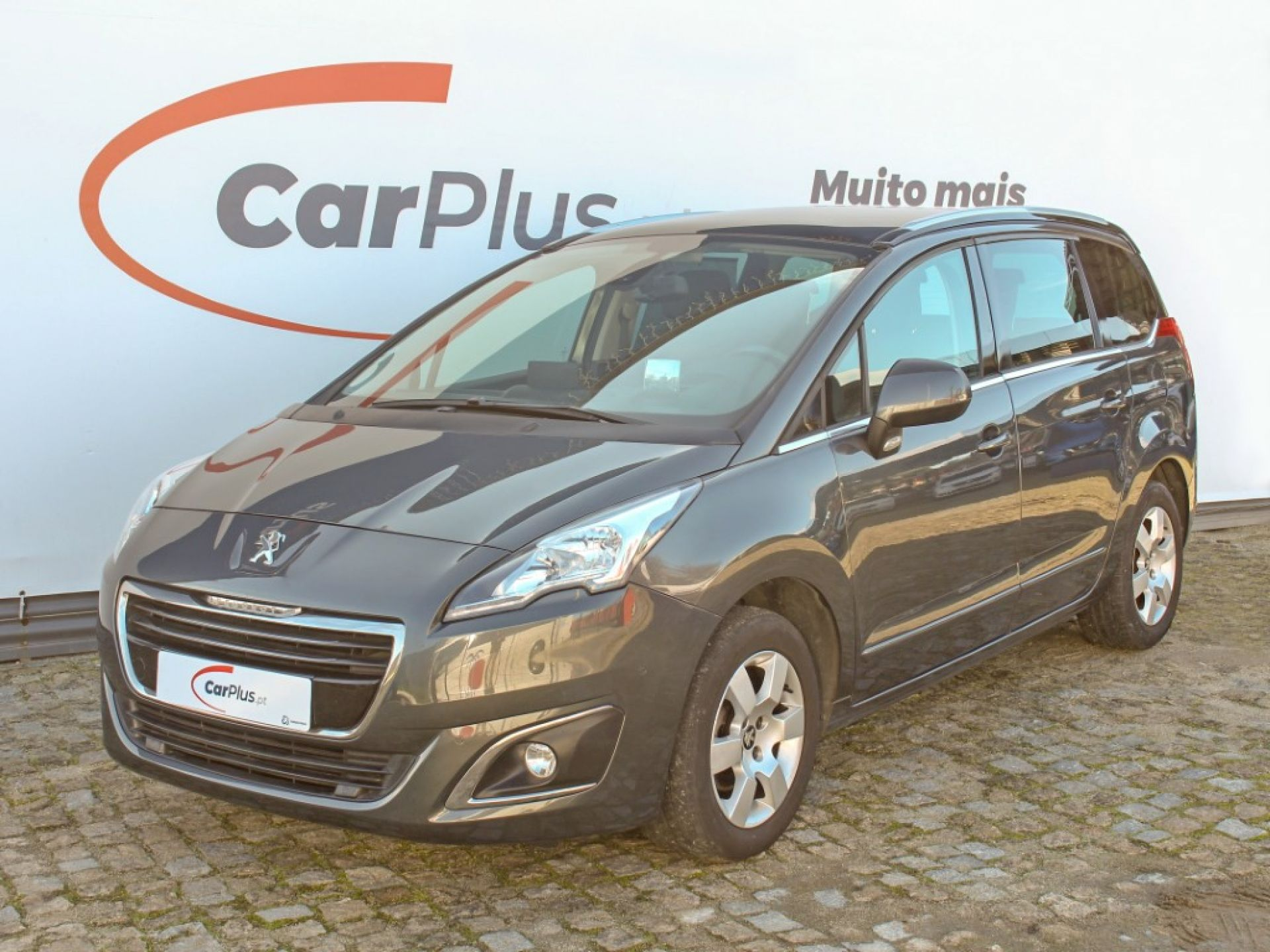 Peugeot 5008 1.6 HDI 115 CVM6 ALLURE 7Lug segunda mão Porto