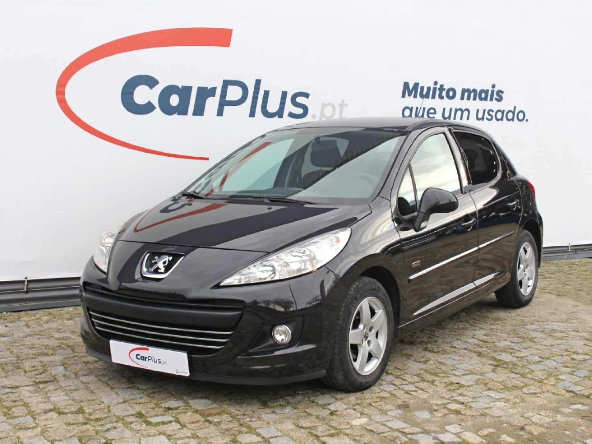 Peugeot 207 Premium 1.4 HDi 5p segunda mão Porto