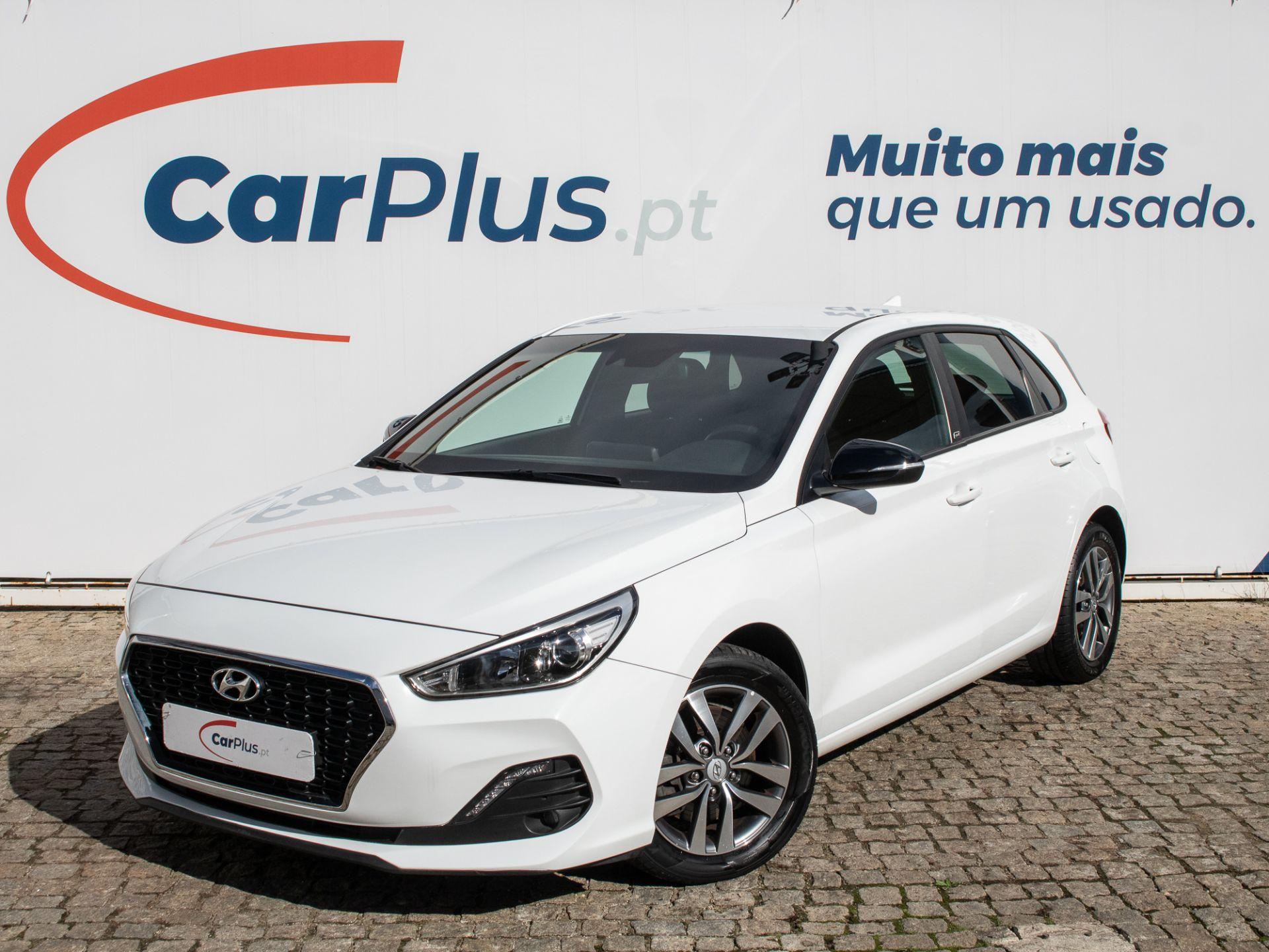 Hyundai i30 1.6 CRDi GO! 110CV segunda mão Lisboa