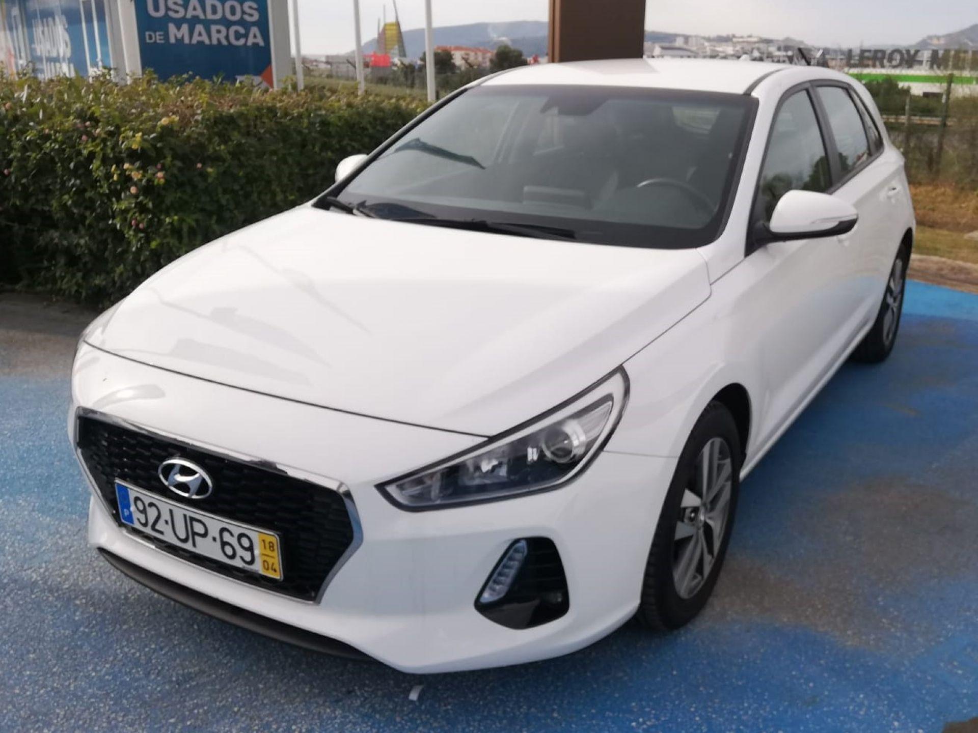 Hyundai i30 5P 1.6 CRDi GO! 110CV segunda mão Setúbal