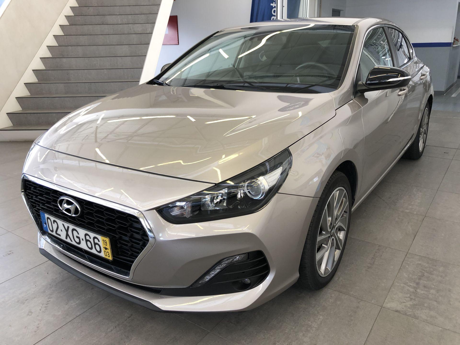 Hyundai i30 FASTBACK 1.0 TGDi MY19 STYLE segunda mão Porto