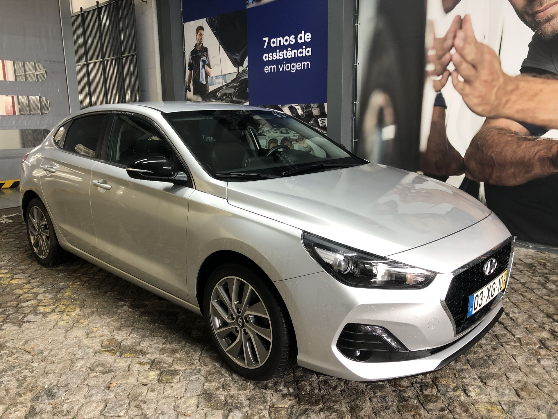 Hyundai i30 i30 Fastback 1.0 TGDi 120cv Style segunda mão Porto