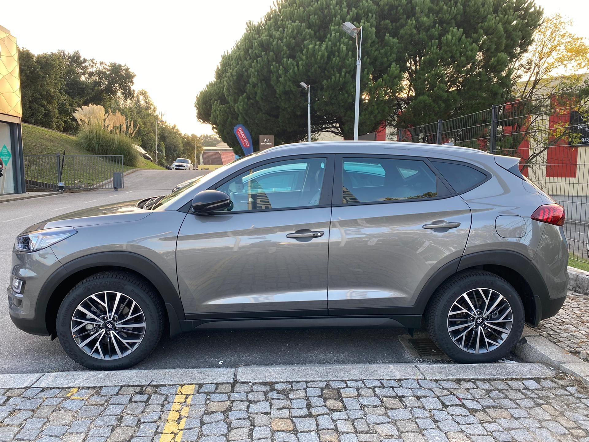 Hyundai Tucson 1.6 CRDi 48V DCT Premium + Pack Pele MY19'5 segunda mão Porto