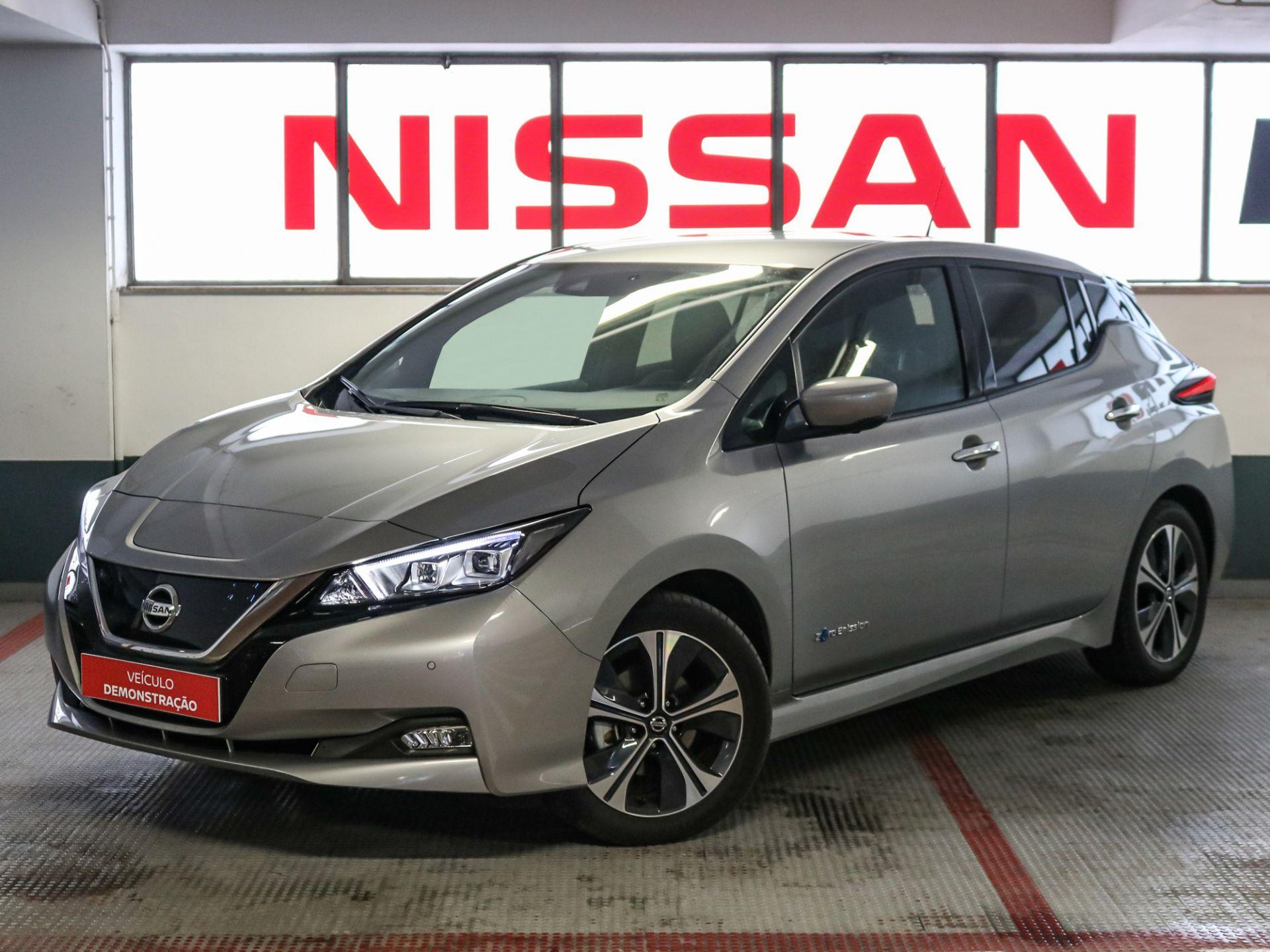 Nissan LEAF LEAF 5p 40kWh Tekna segunda mão Lisboa