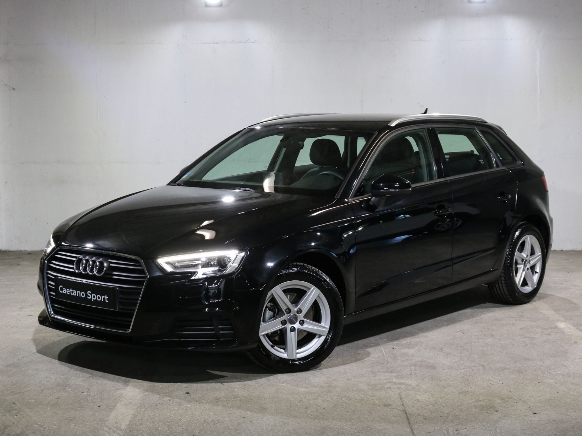 Audi A3 Sportback 1.0 30 TFSI Base S Tronic segunda mão Lisboa