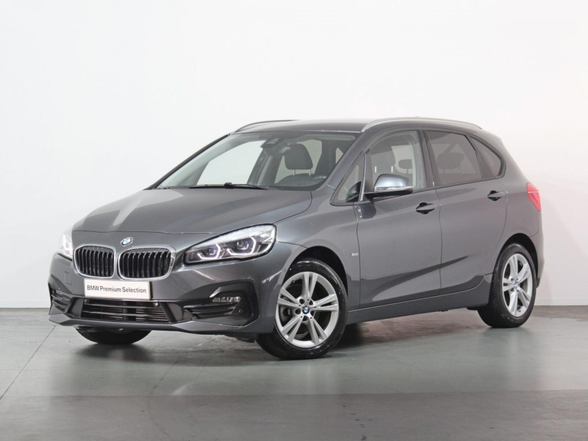 BMW Serie 2 Active Tourer 216d Auto Line Sport segunda mão Porto