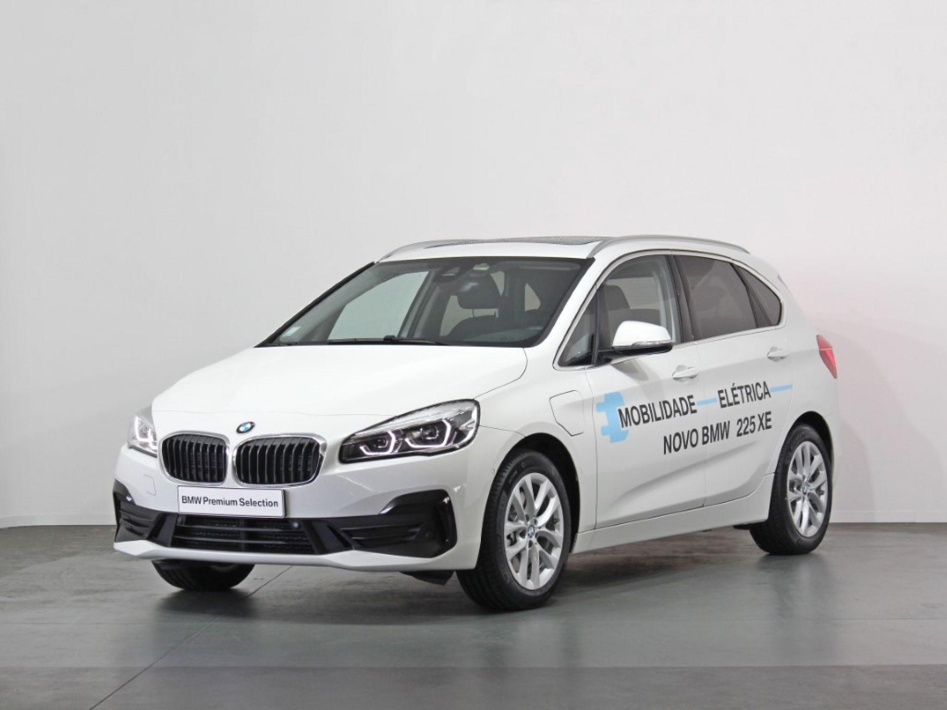 BMW Serie 2 Active Tourer 225xe iPerformance Auto Advantage segunda mão Porto