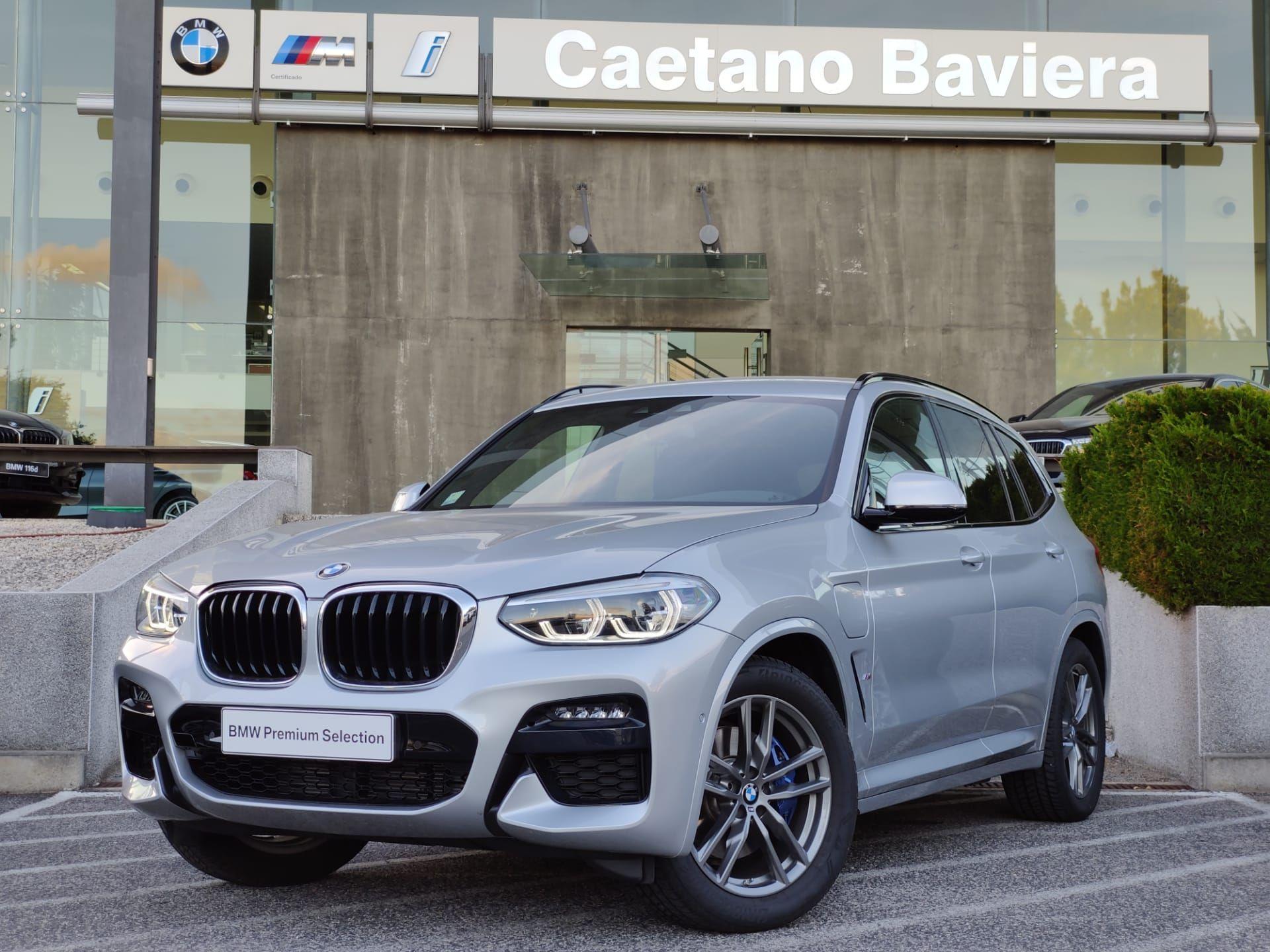 BMW X3 xDrive30e Auto Pack M segunda mão Lisboa