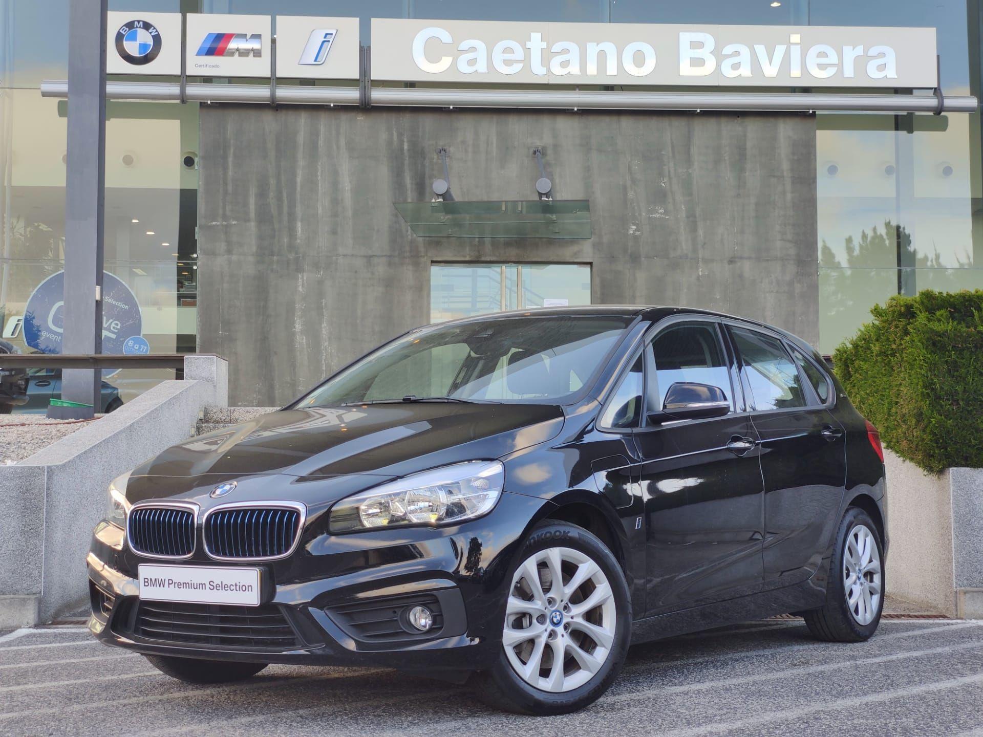 BMW Serie 2 Active Tourer 225xe Auto Advantage c/ IVA usada Lisboa