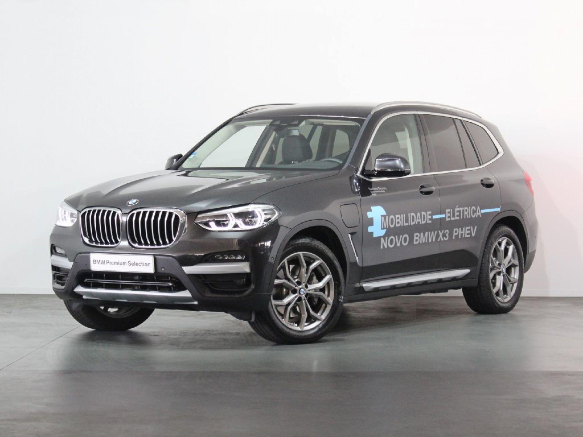 BMW X3 xDrive30e Auto segunda mão Porto