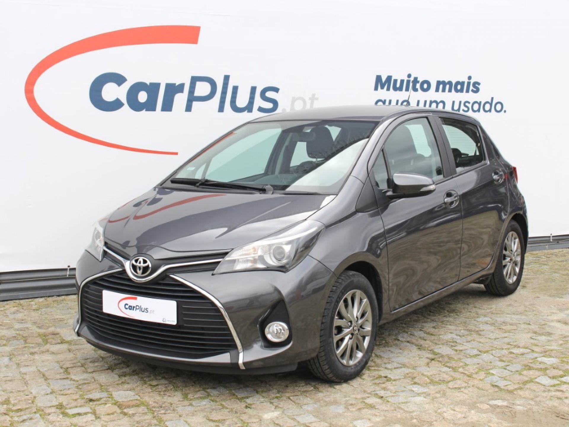 Toyota Yaris 1.0 Comfort+Pack Style segunda mão Porto