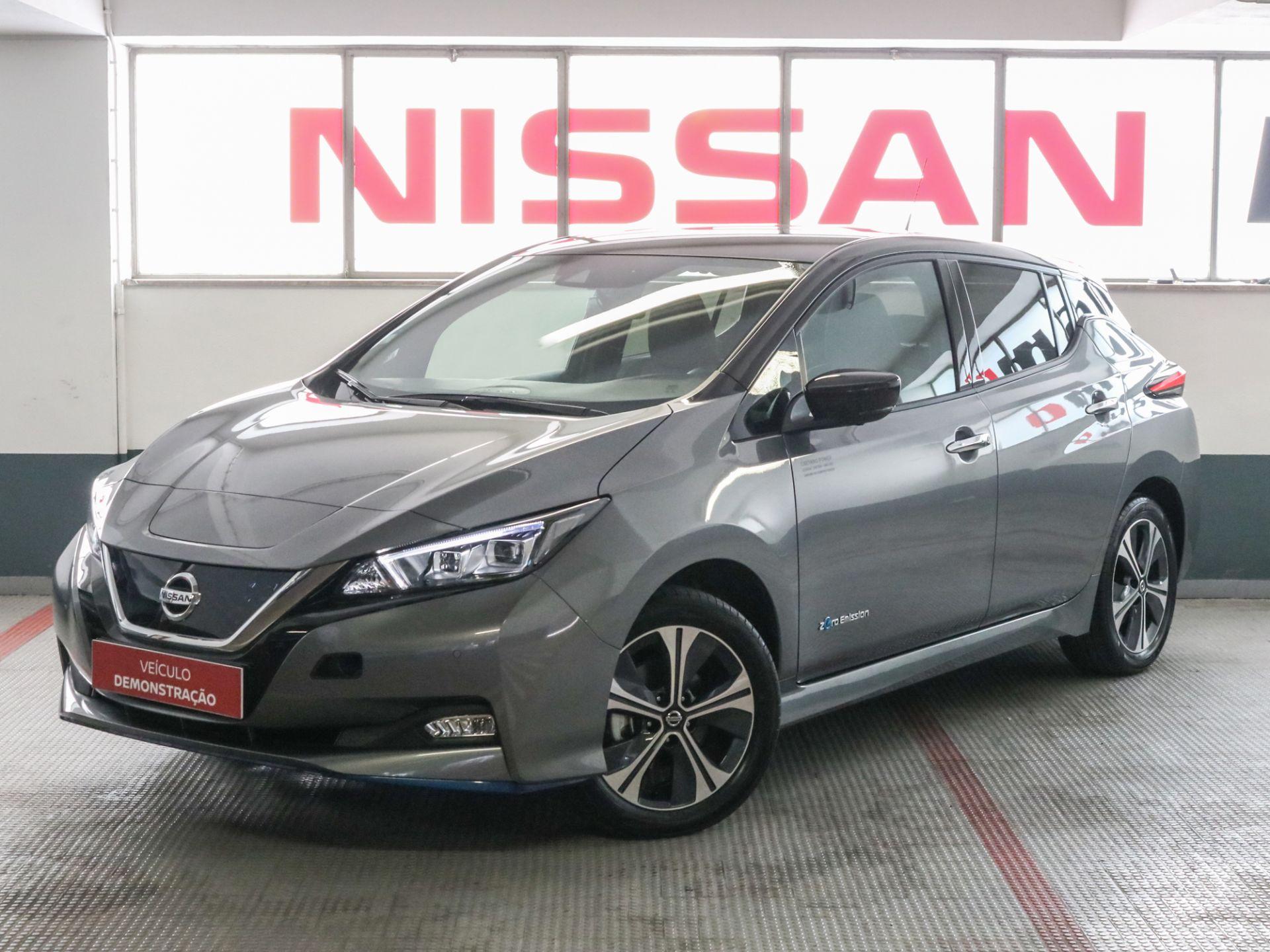 Nissan LEAF LEAF 5p 62 kWh e+ Tekna segunda mão Lisboa