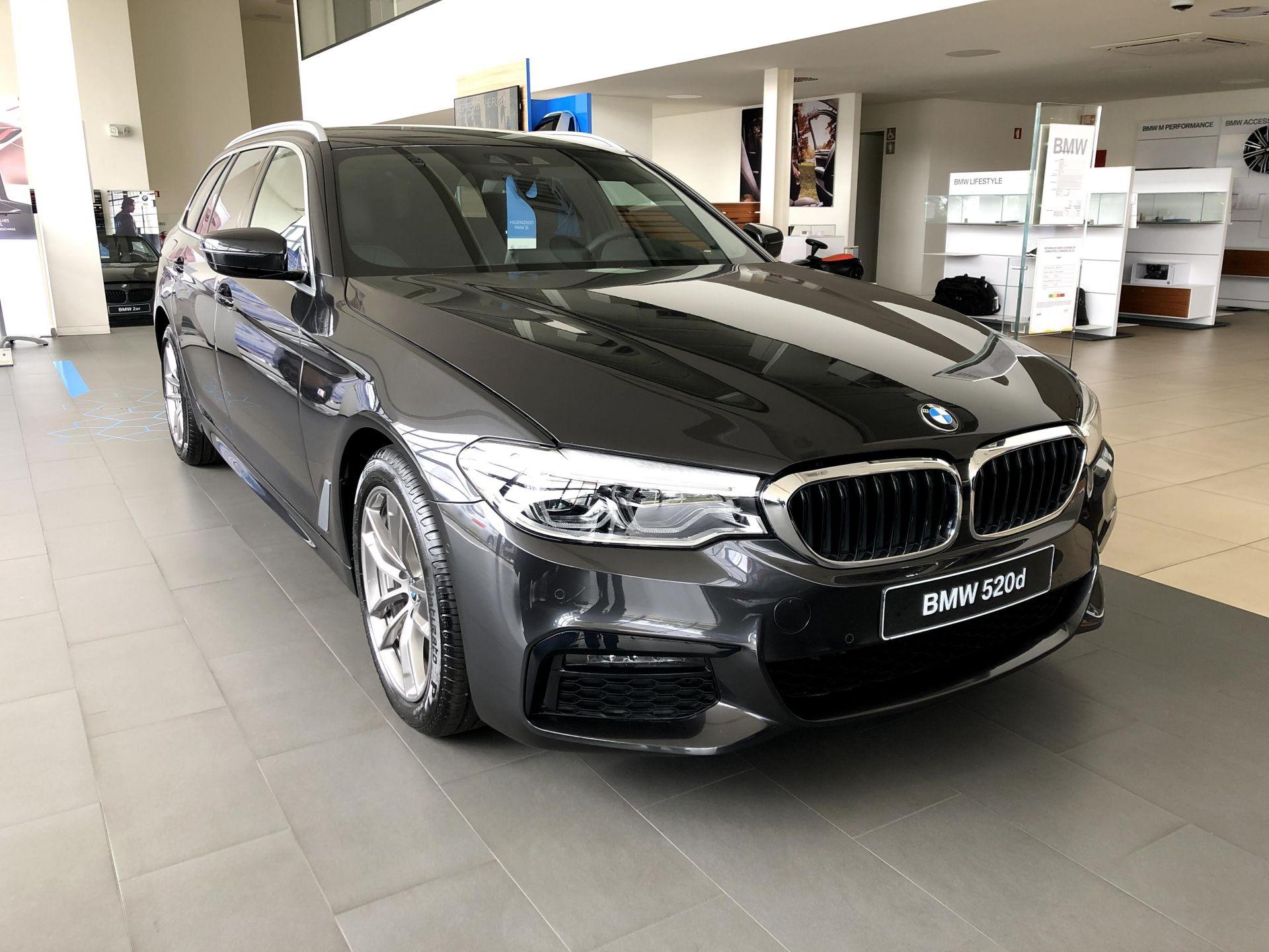 BMW Serie 5 520d Auto Pack M (NOVO) segunda mão Aveiro