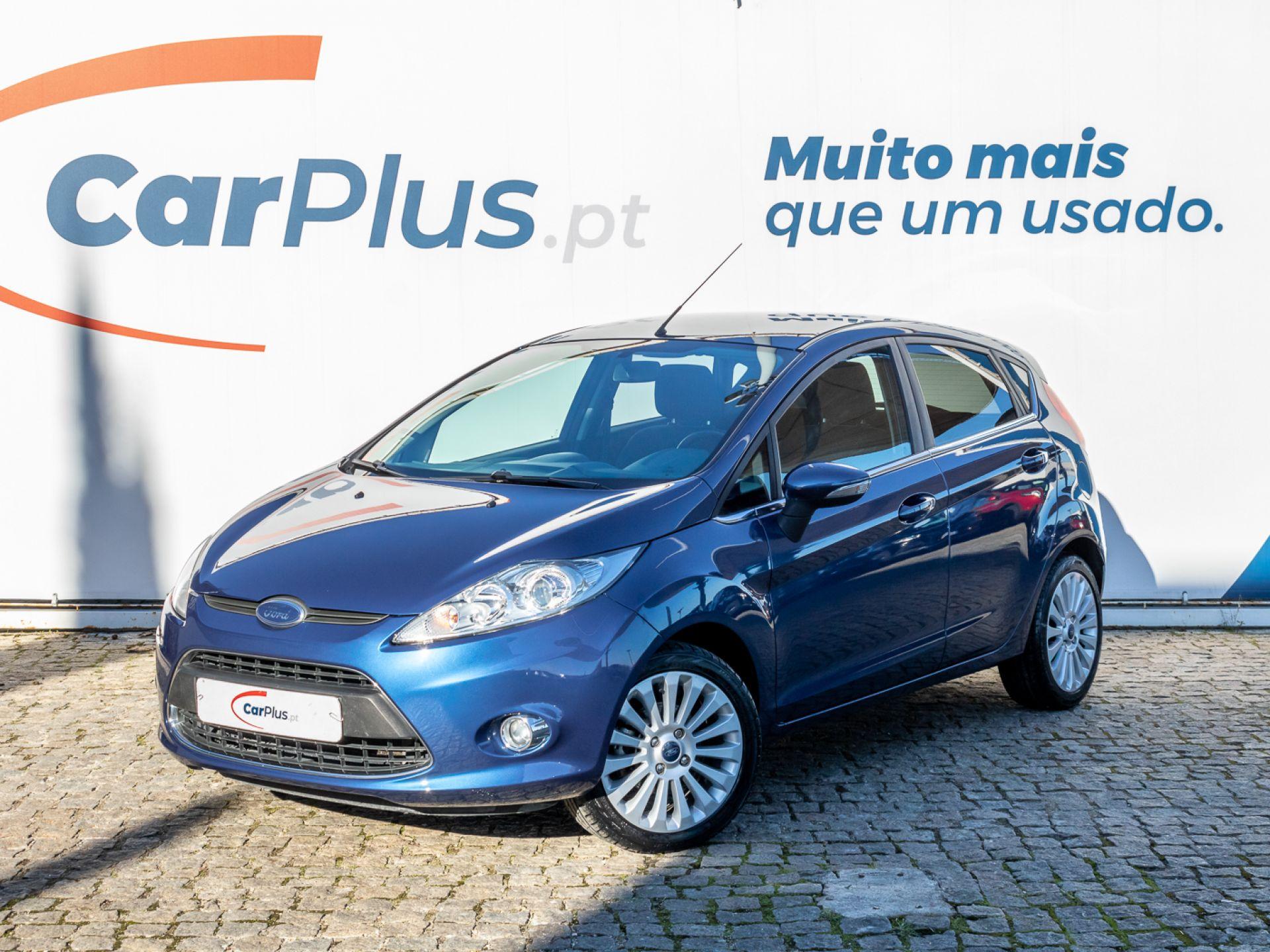 Ford Fiesta 1.25 82CV TITANIUM segunda mão Lisboa