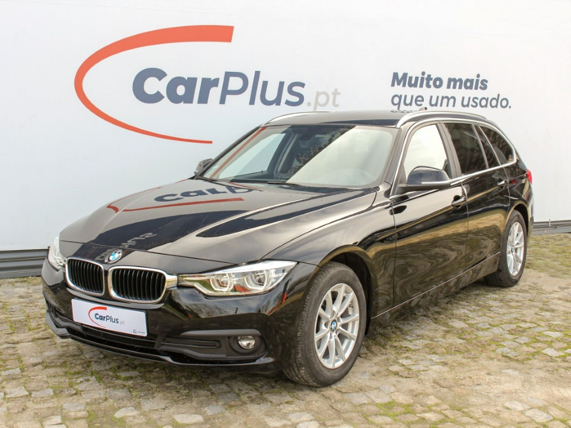 BMW Serie 3 318d Auto segunda mão Porto