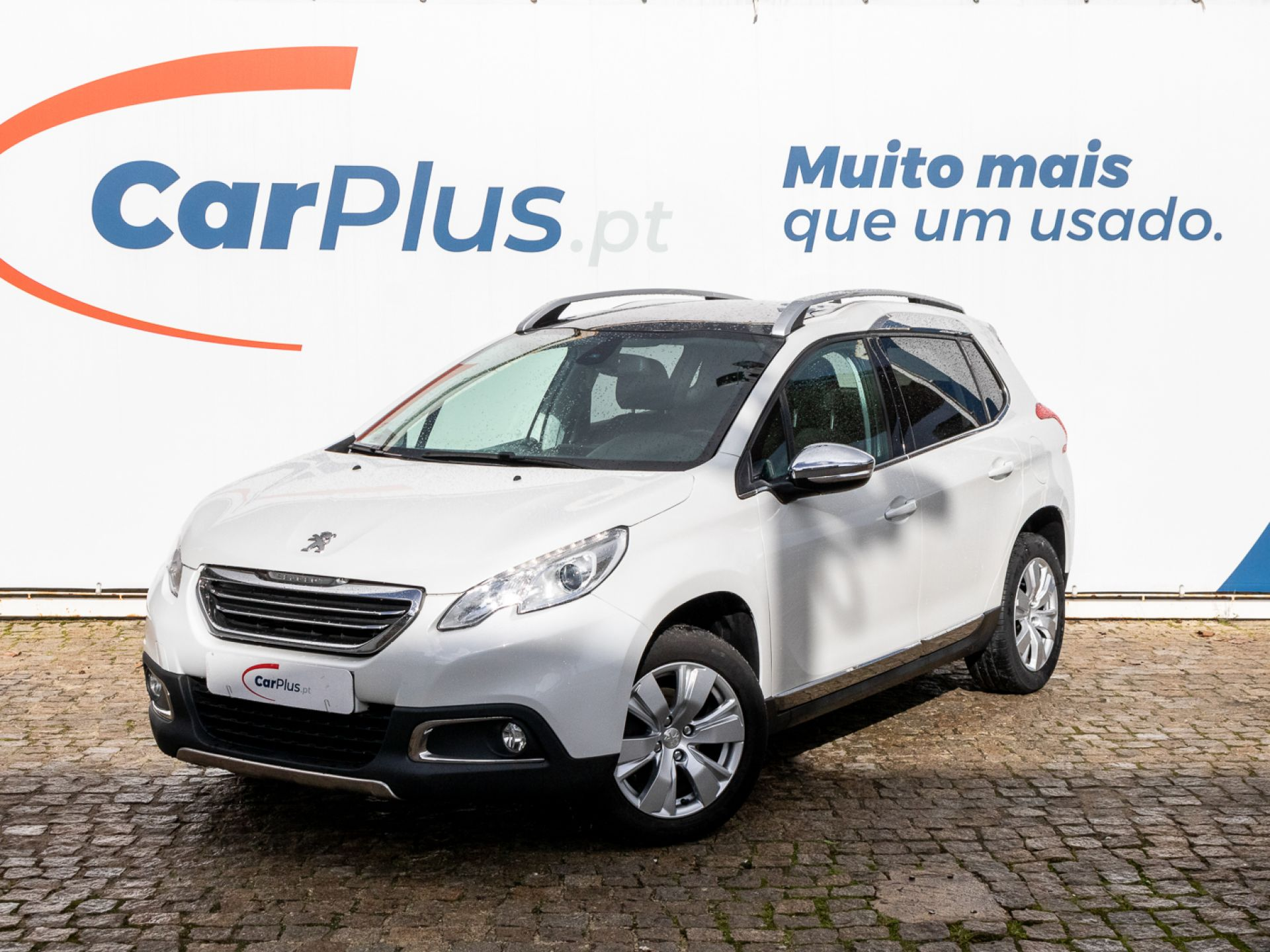 Peugeot 2008 Allure 1.6 e-HDi 92 2-Tronic segunda mão Lisboa