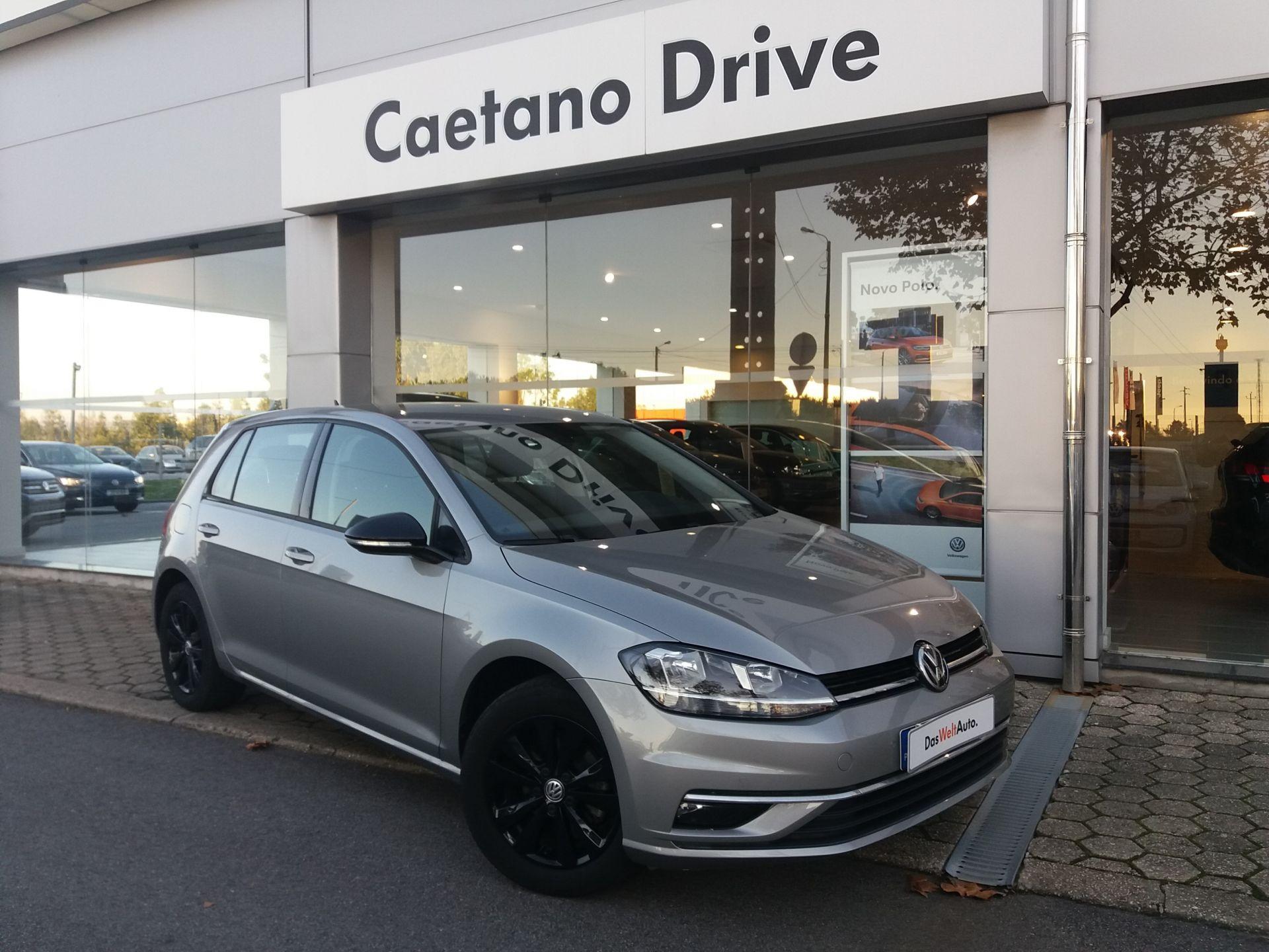 Volkswagen Golf 1.0 TSI 115cv Stream segunda mão Aveiro