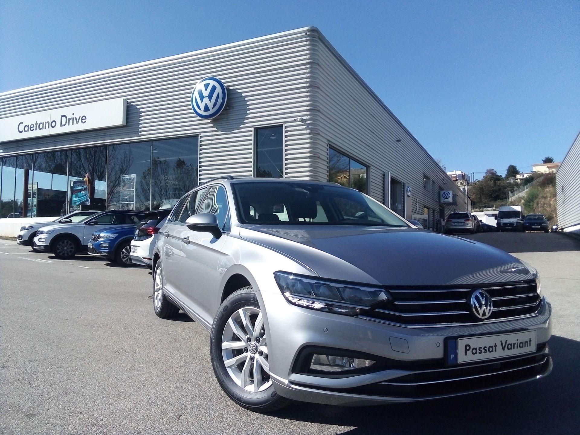 Volkswagen Passat 1.6 TDI 120cv DSG Variant segunda mão Porto