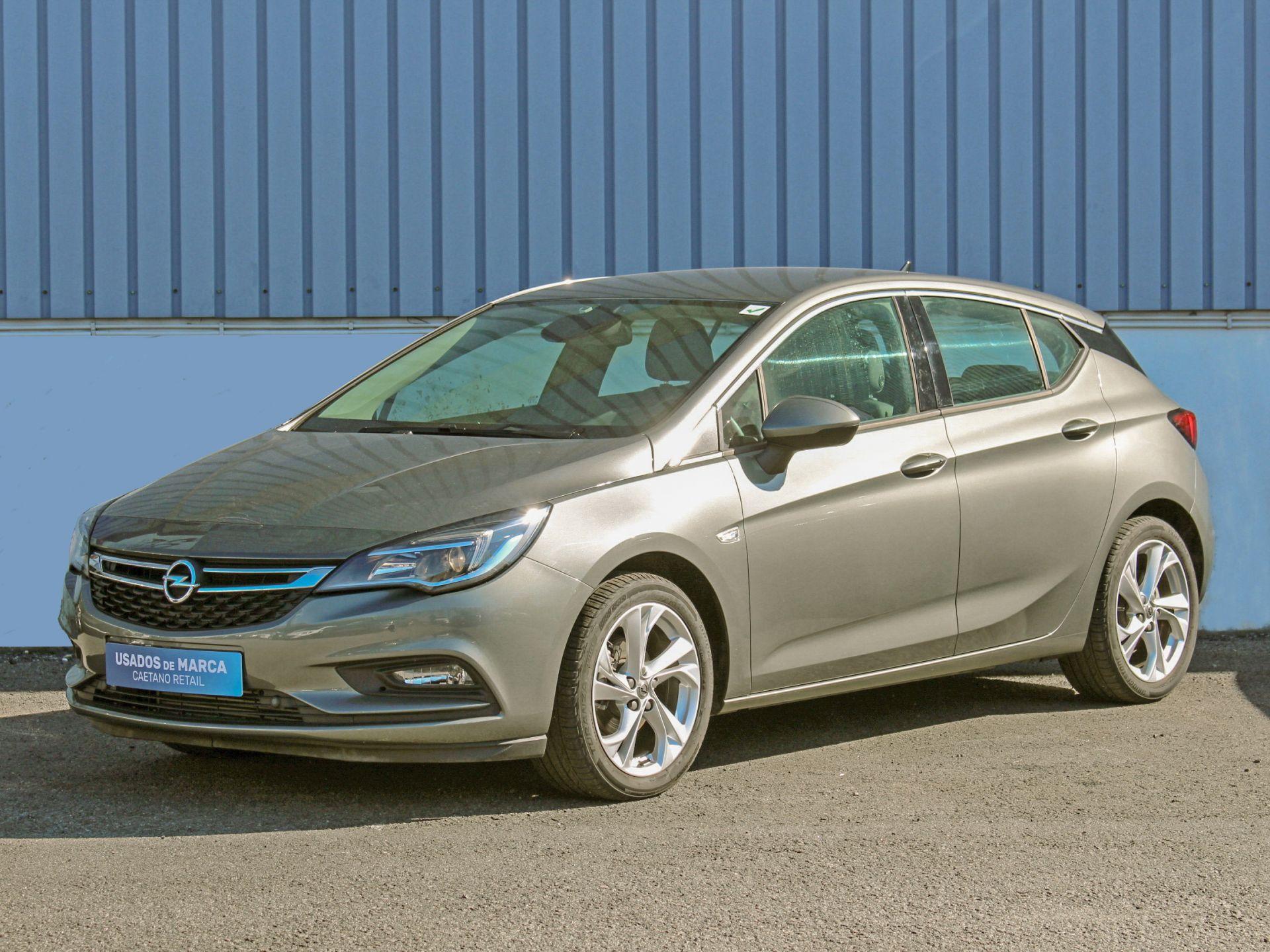 Opel Astra 1.0 Ecotec 105cv S/S Innovation usada Porto