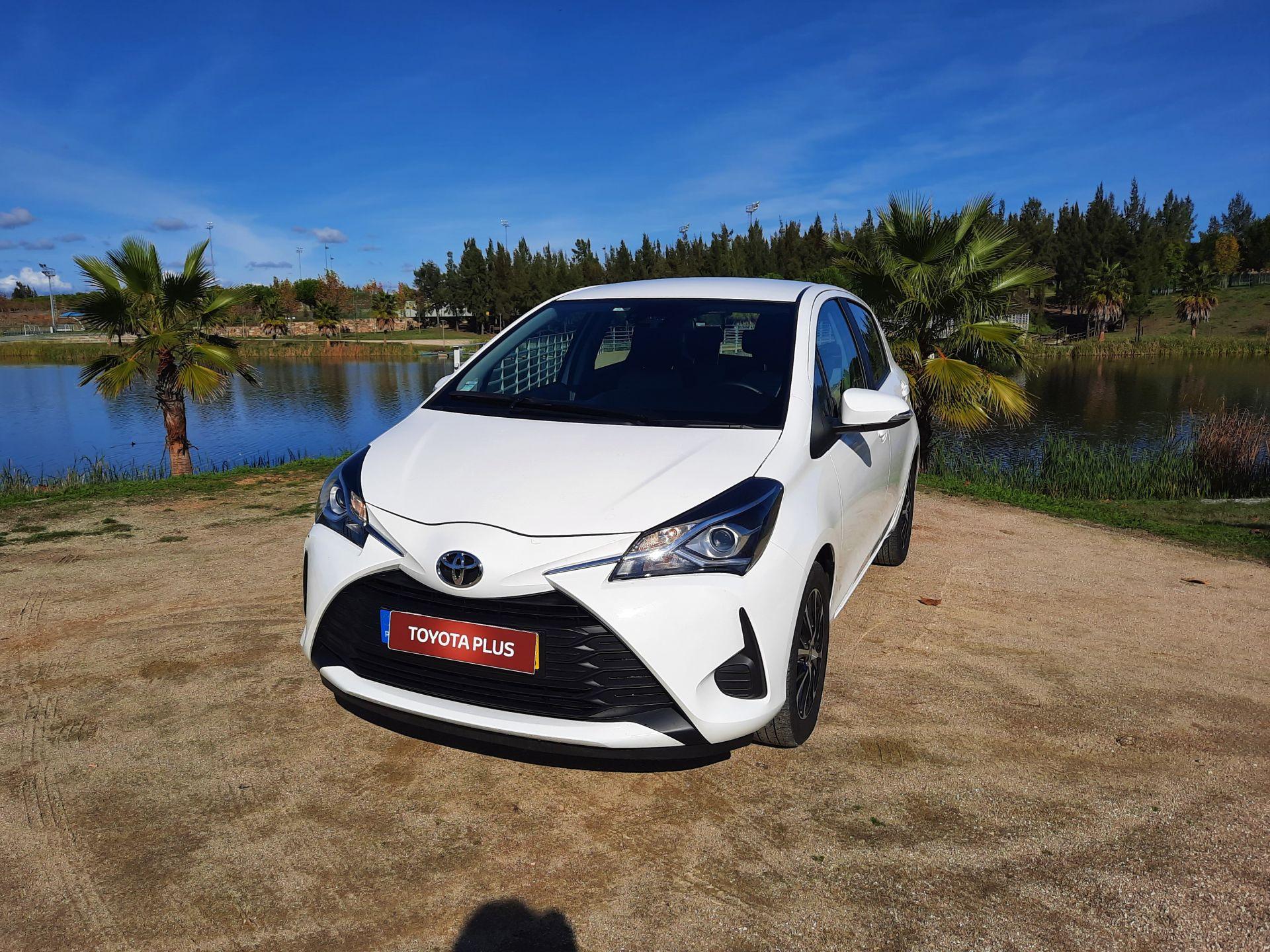 Toyota Yaris 1.0 Comfort segunda mão Castelo Branco