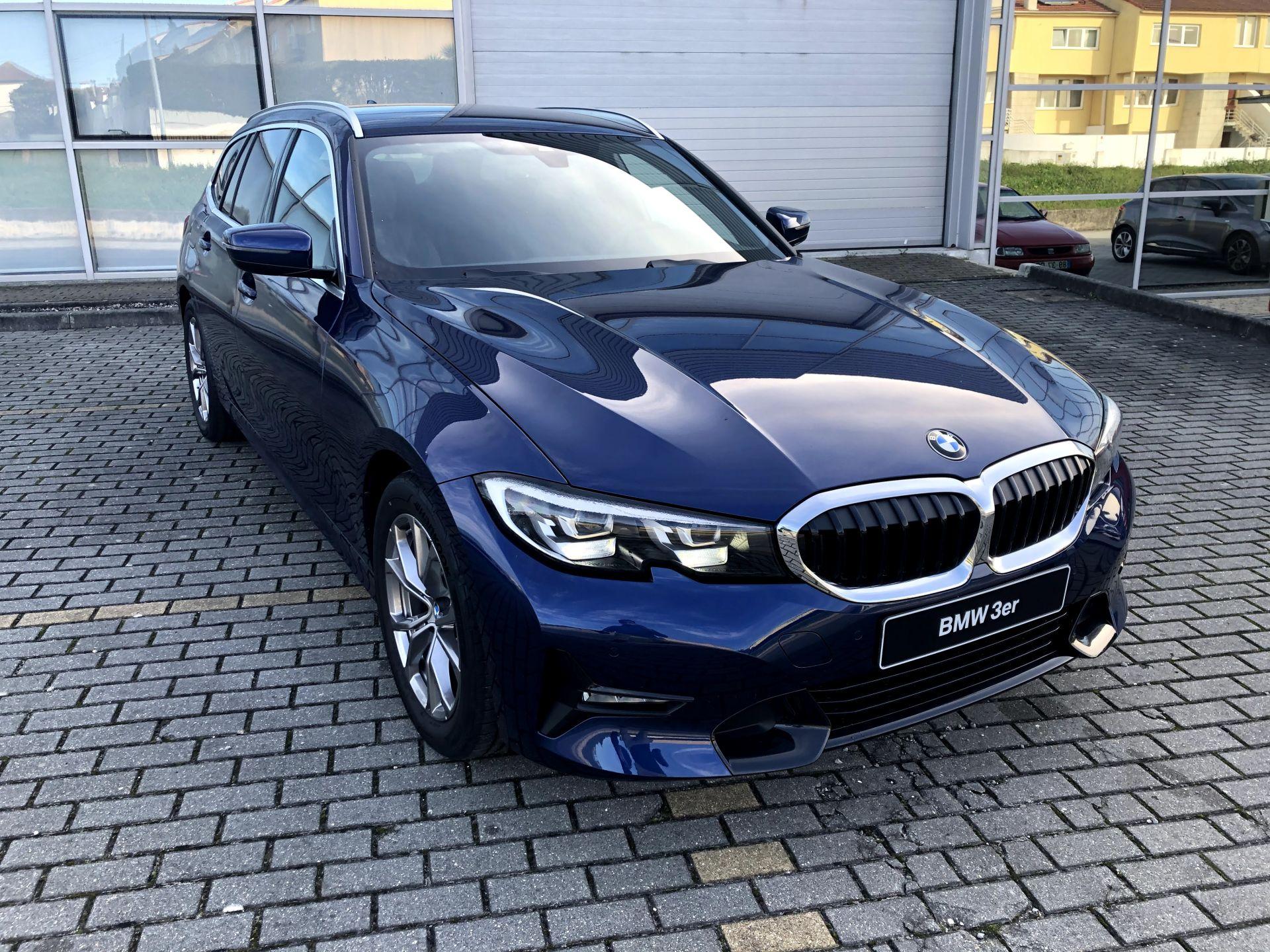 BMW Serie 3 318d Touring Auto Line Sport (Viatura Demonstração) segunda mão Aveiro