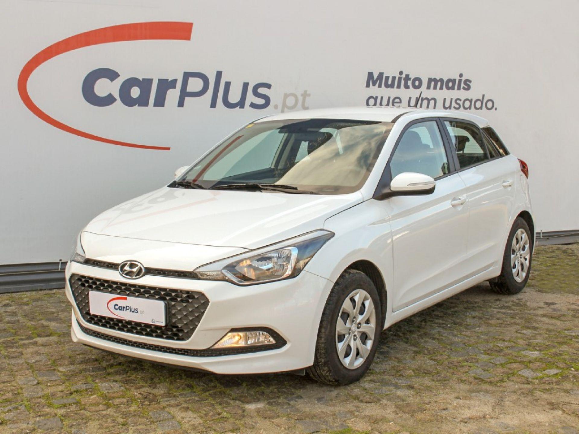 Hyundai i20 1.1 CRDi 75Cv Access+Bth+Comandos segunda mão Braga