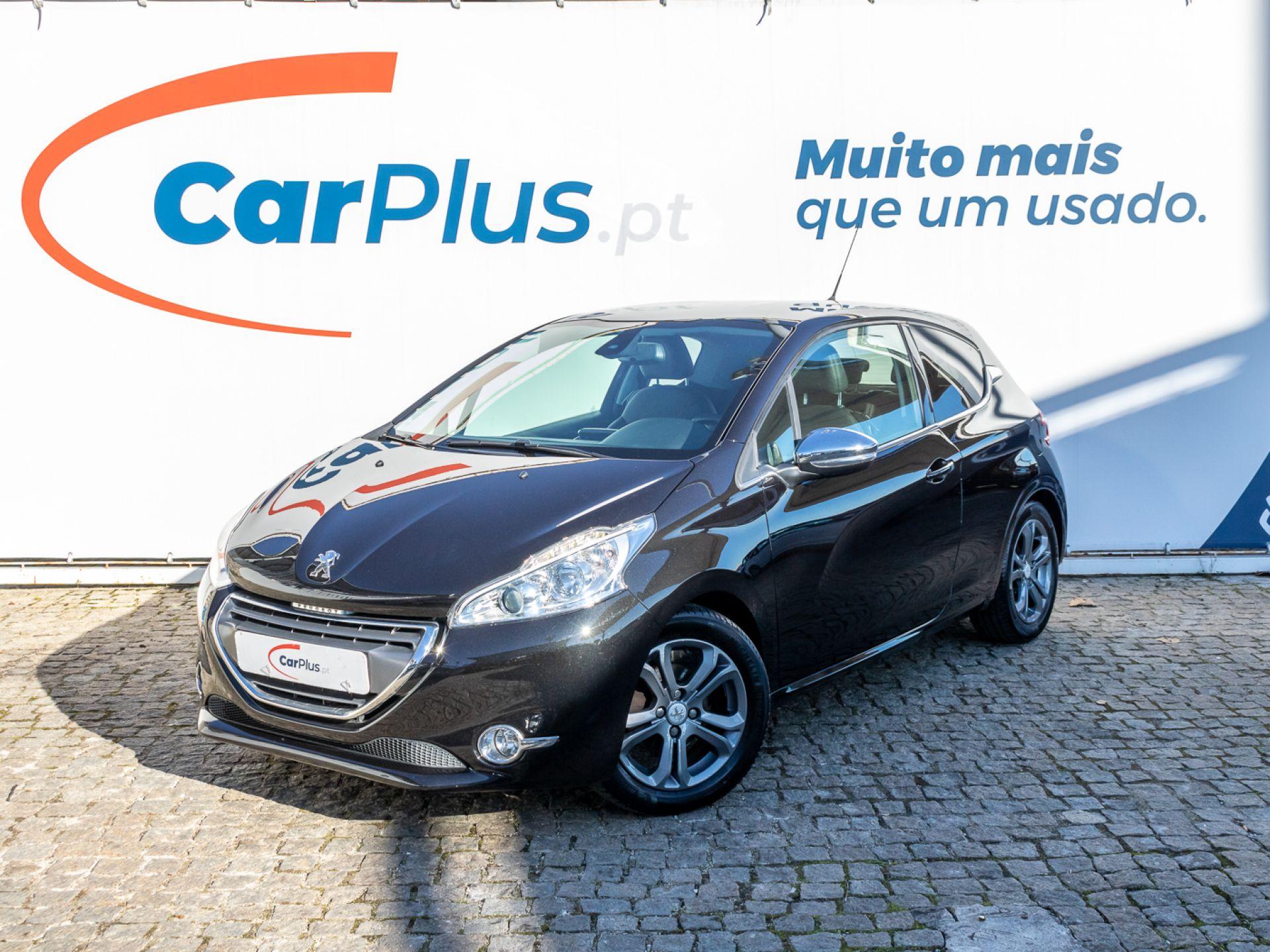 Peugeot 208 Allure 1.4 VTi 95 CVM5 segunda mão Lisboa