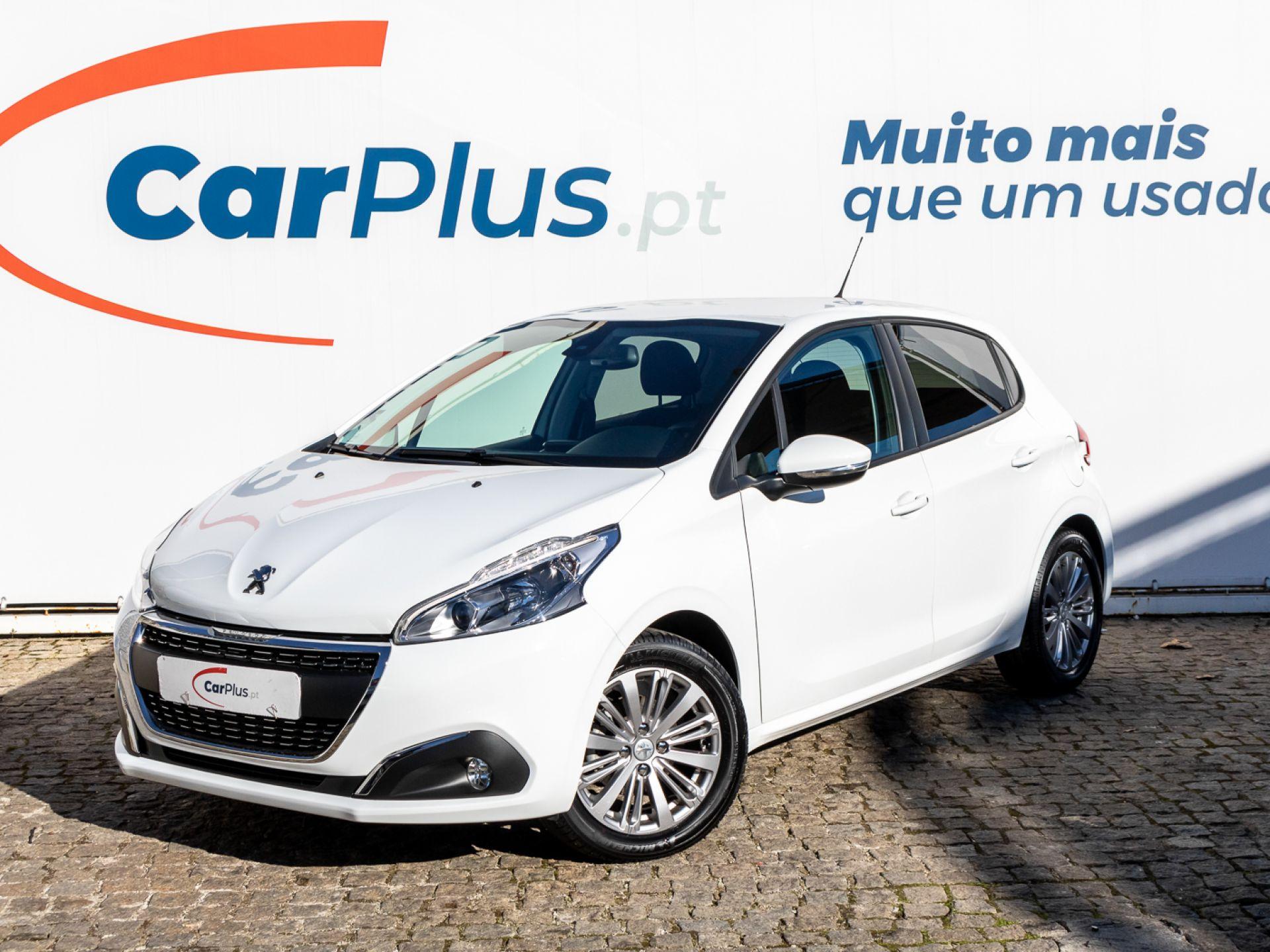 Peugeot 208 Signature 1.2 PureTech 82 Euro 6.2 segunda mão Lisboa