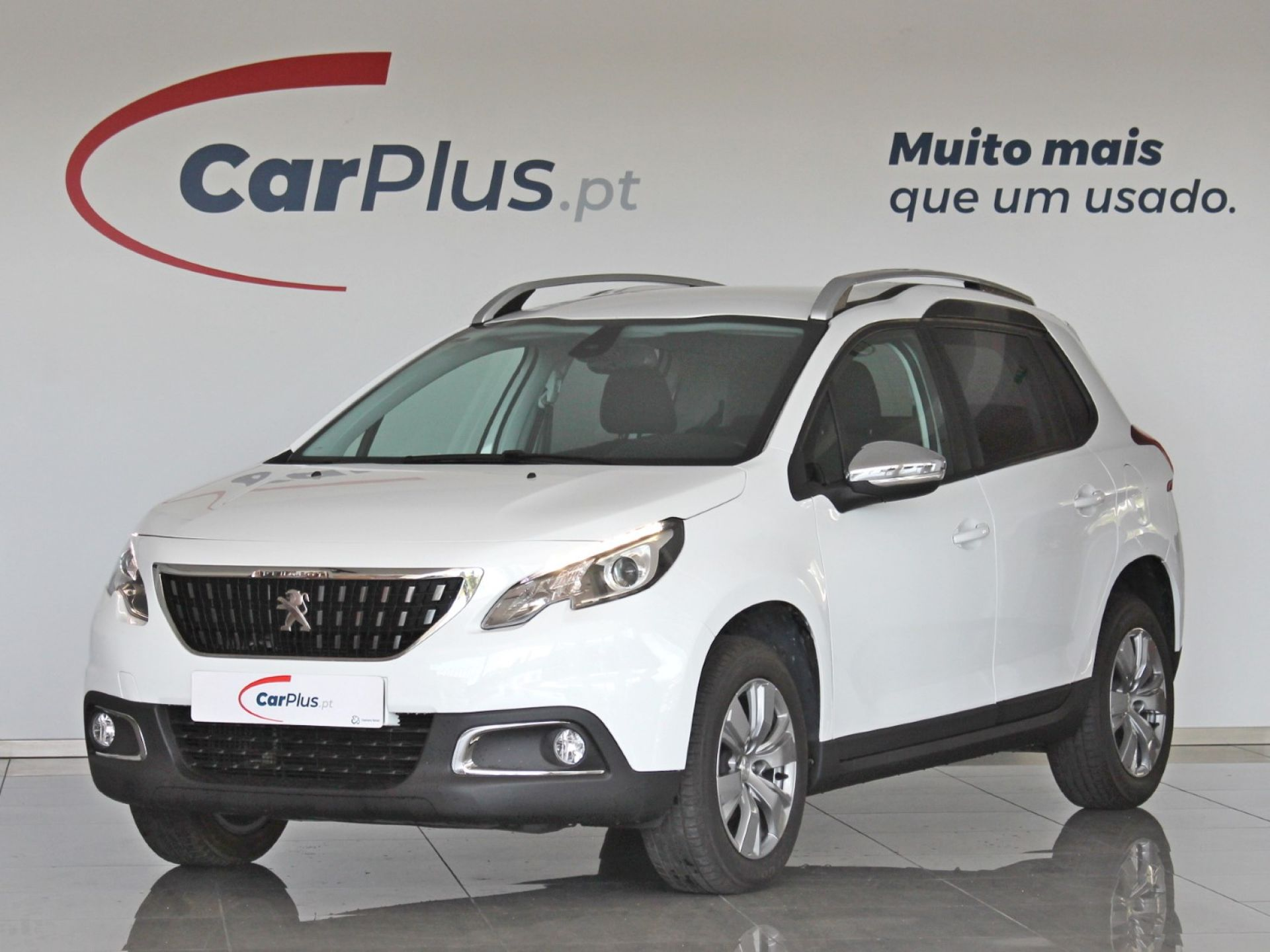 Peugeot 2008 Style 1.6 BlueHDI 75 CVM5 segunda mão Braga