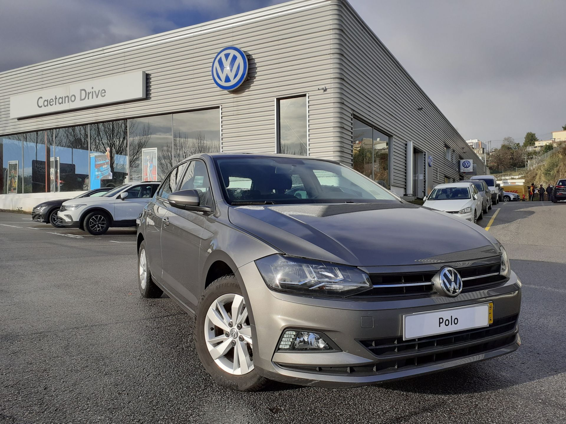 Volkswagen Polo 1.0 80cv Confortline segunda mão Porto