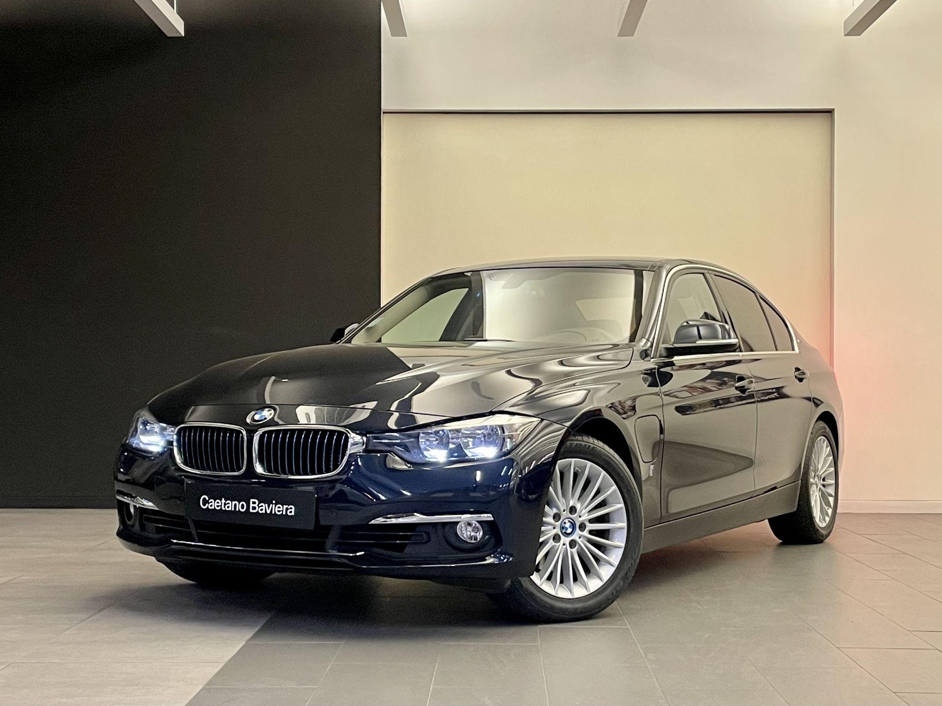 BMW Serie 3 330e iPerformance Line Luxury segunda mão Lisboa