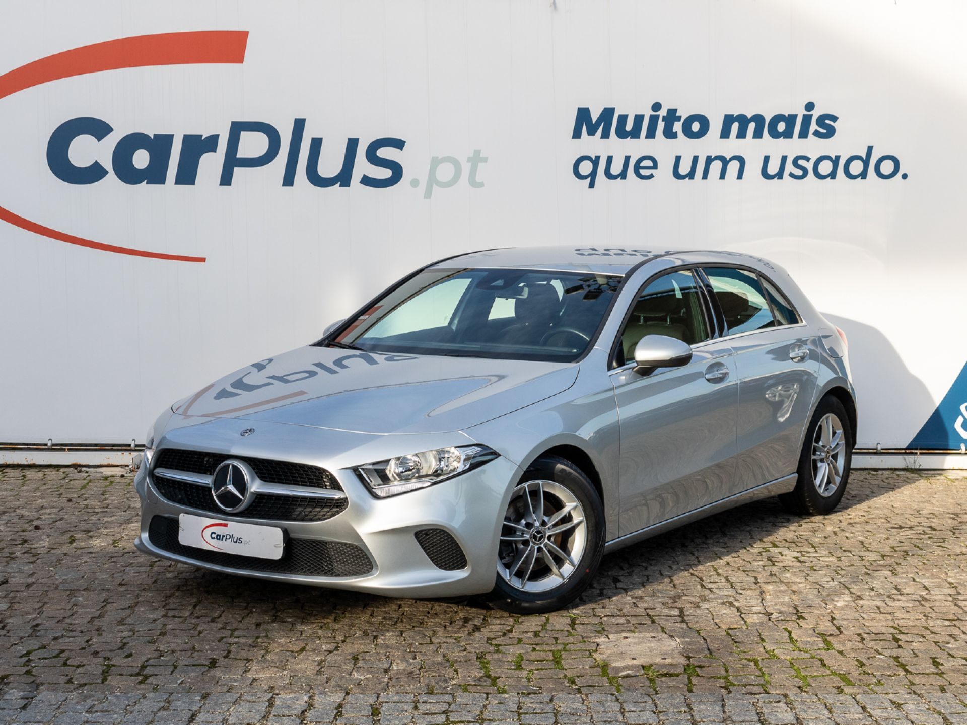 Mercedes Benz Classe A 1.5 180 d Auto segunda mão Lisboa