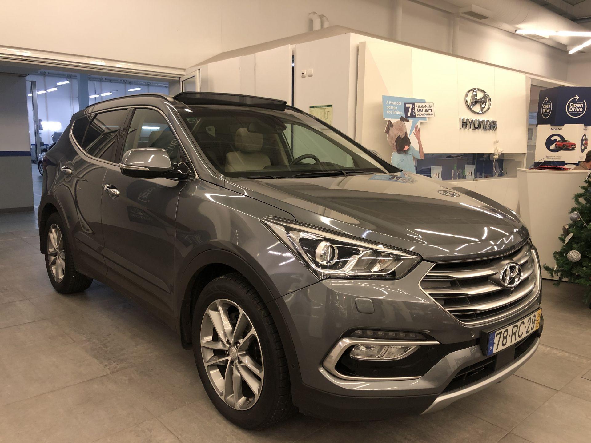 Hyundai Santa Fe 4X2-7 LUG 2.2 A/T PREMIUM MY16 segunda mão Porto