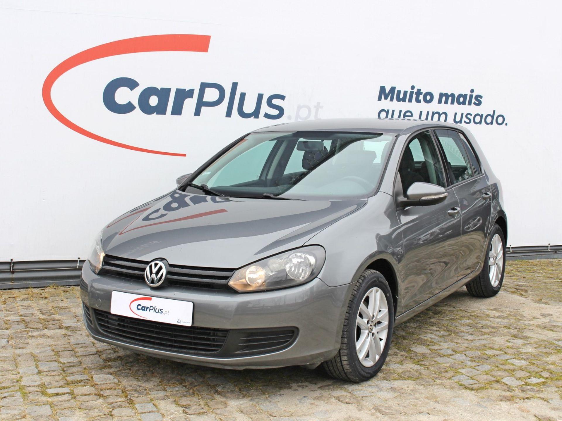 Volkswagen Golf 1.6 TDI DPF 105cv Trendline segunda mão Porto