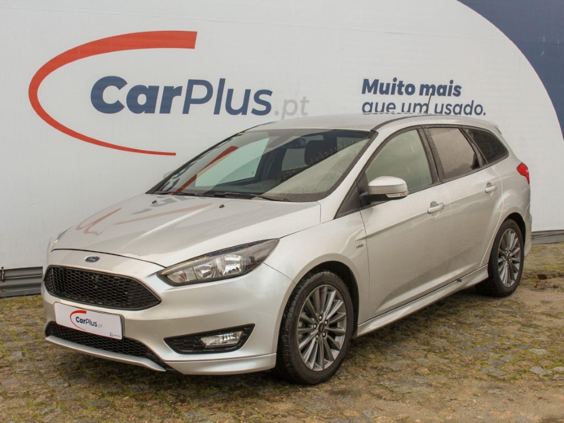Ford Focus 1.5 TDCI 120cv ST-LINE segunda mão Porto