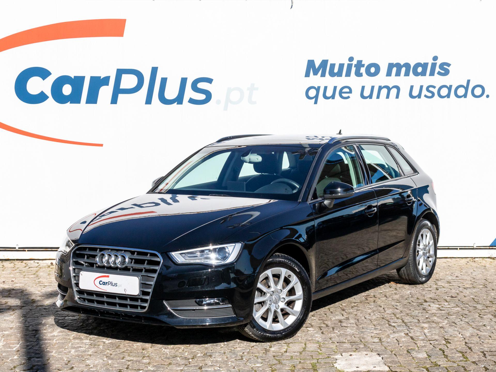 Audi A3 Sportback 1.6 TDI Attraction segunda mão Lisboa