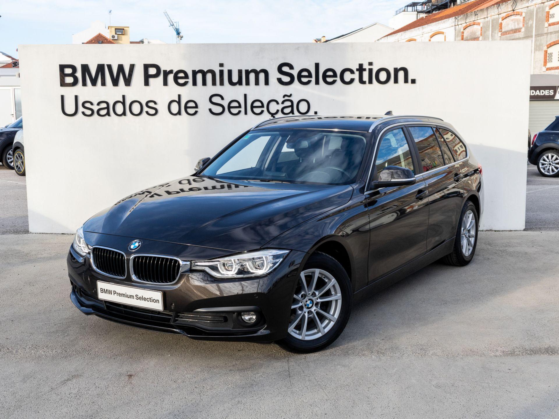 BMW Serie 3 318d Line Sport Touring segunda mão Lisboa